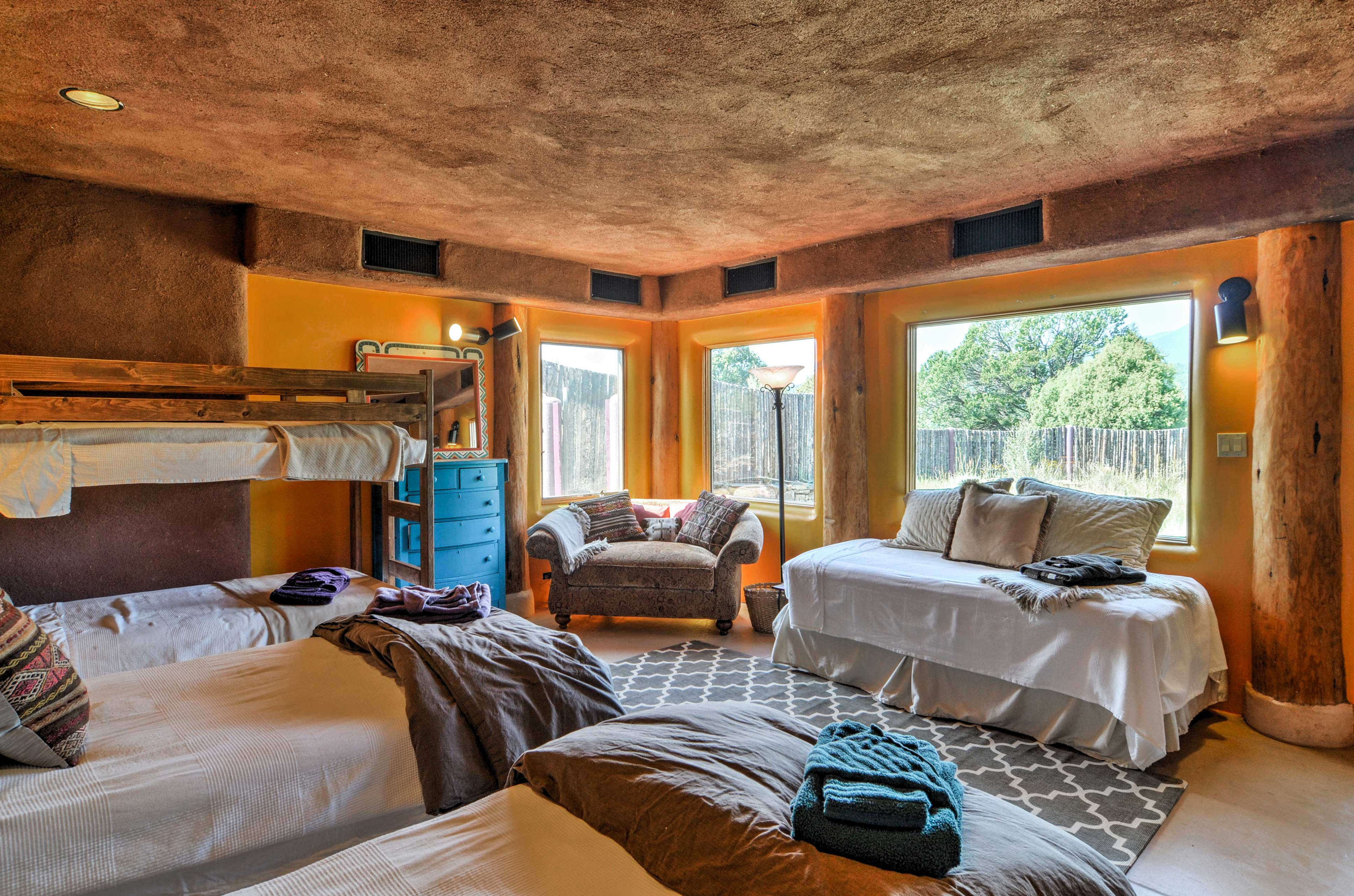 The Kestrel room sleeps 5 and is great for groups or kids!