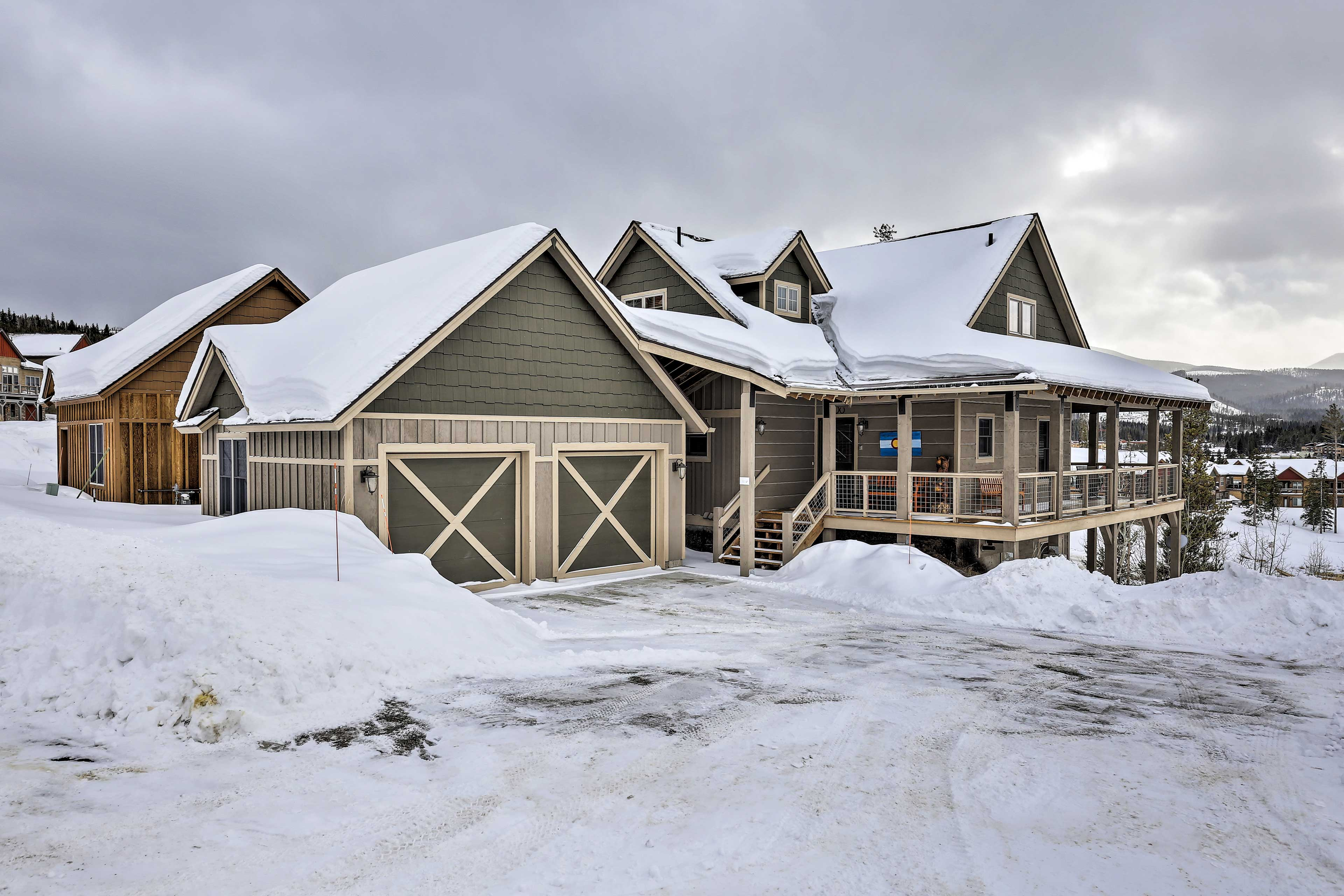 An alluring Rocky Mountain retreat awaits you at this vacation rental home!