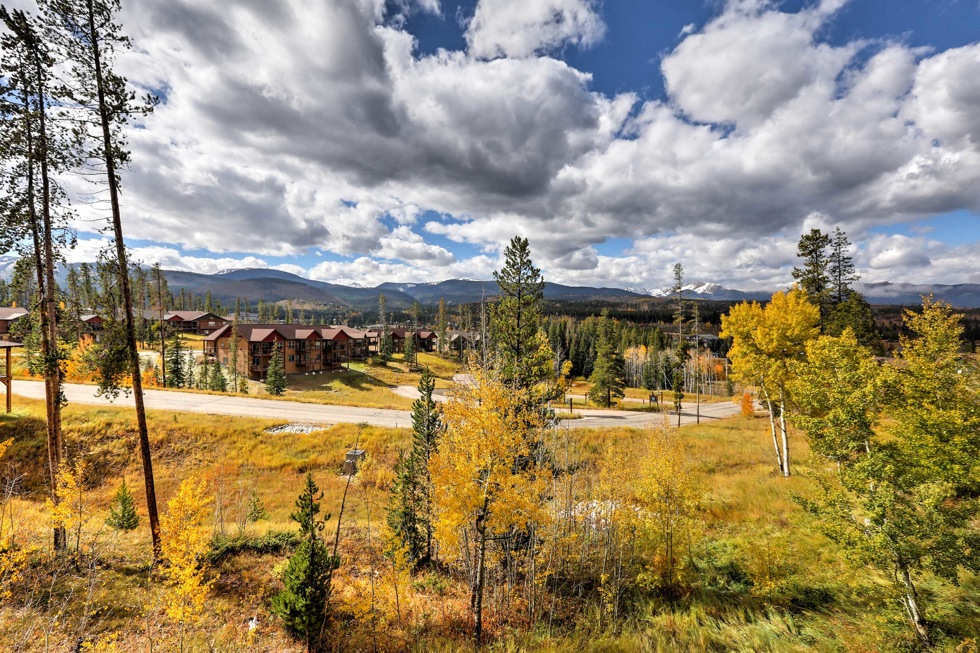 Enjoy outdoor trails and a 10 minute walk to the town of Winter Park.
