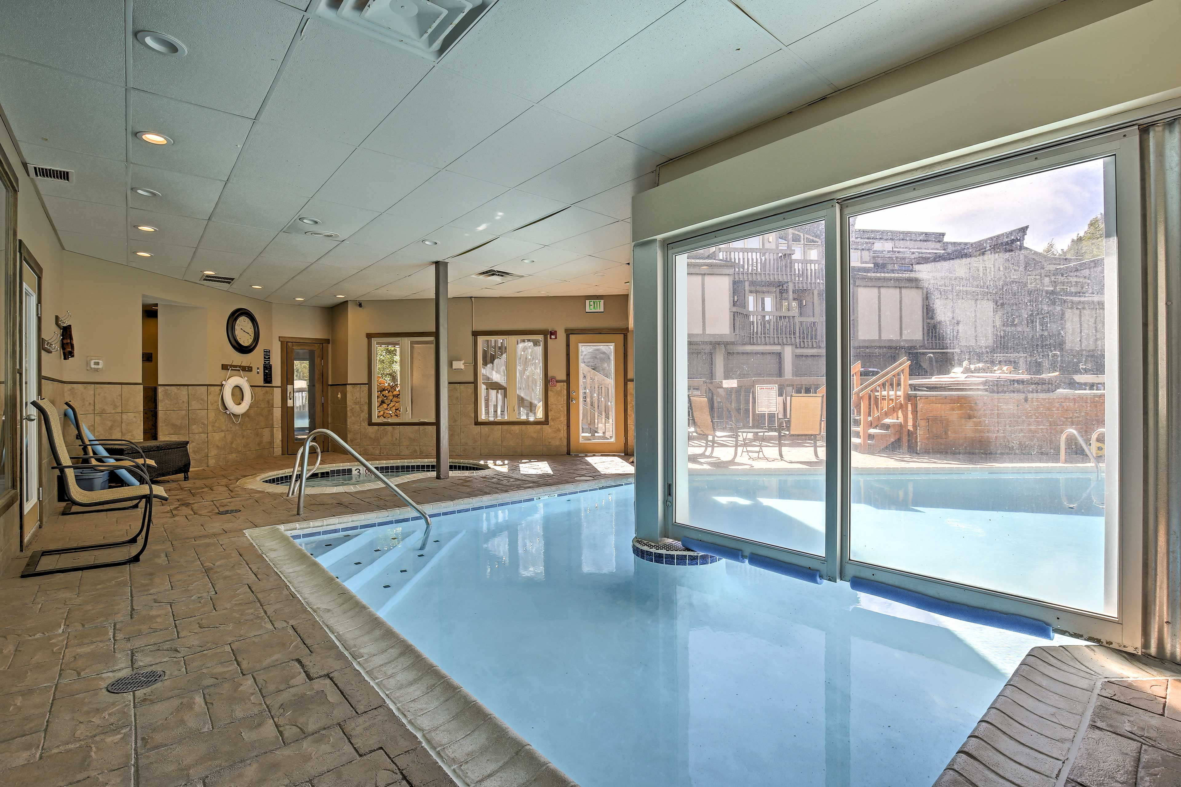 Enjoy access to the clubhouse, with pools and hot tubs, a sauna, & game room.