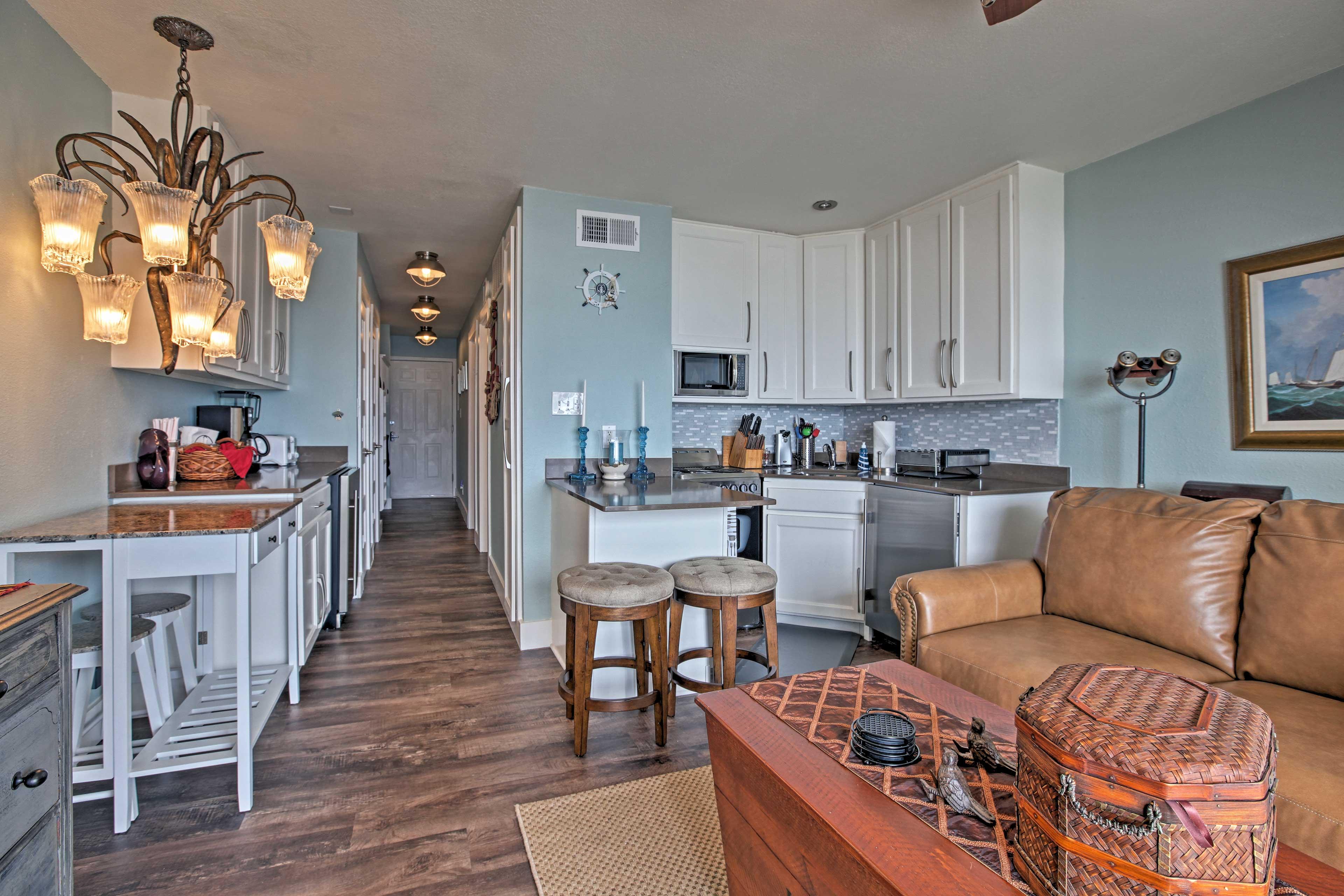 Galveston Vacation Rental Condo   1BR   1BA   520 Sq Ft   3rd Floor