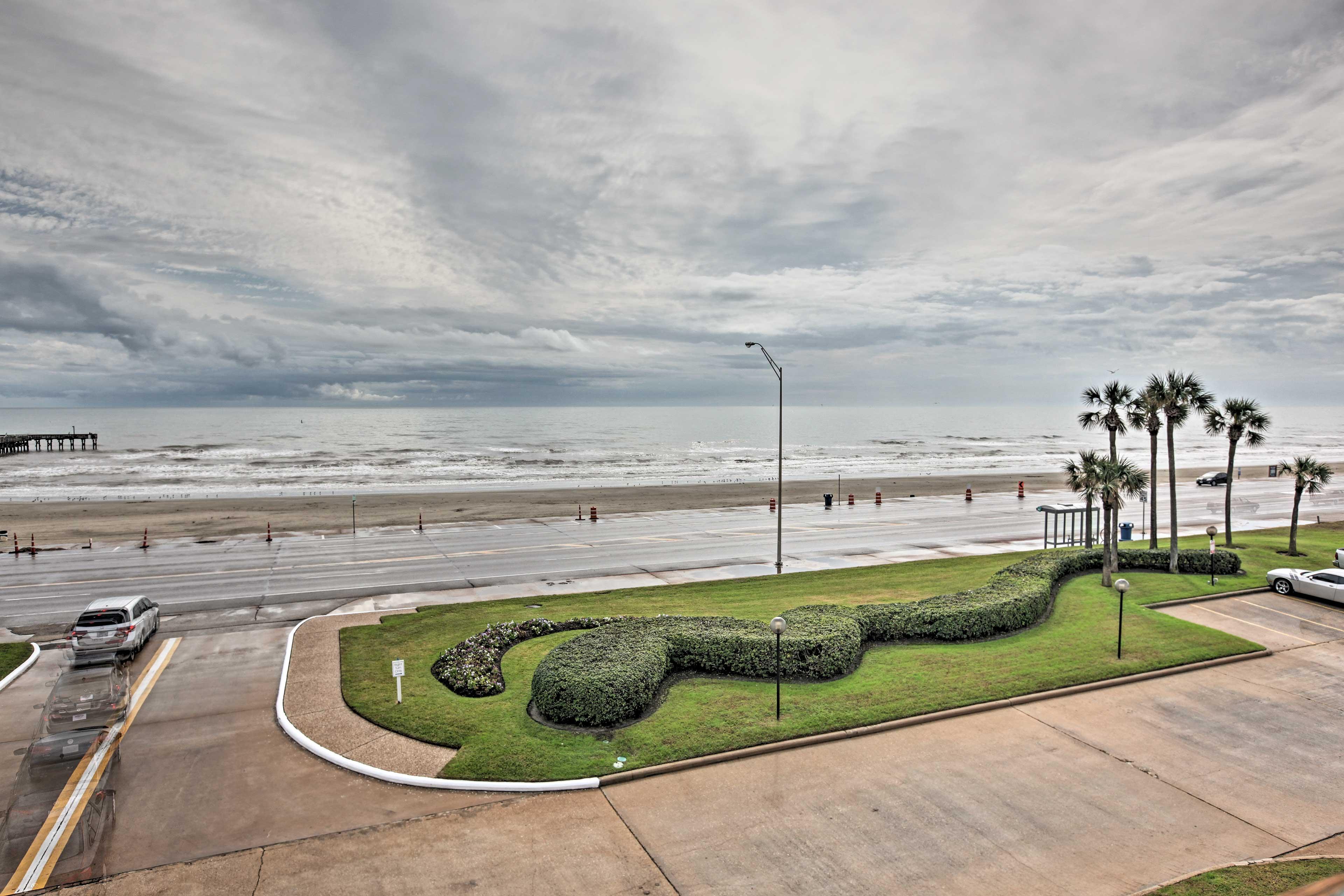 Beach Access   On-Site