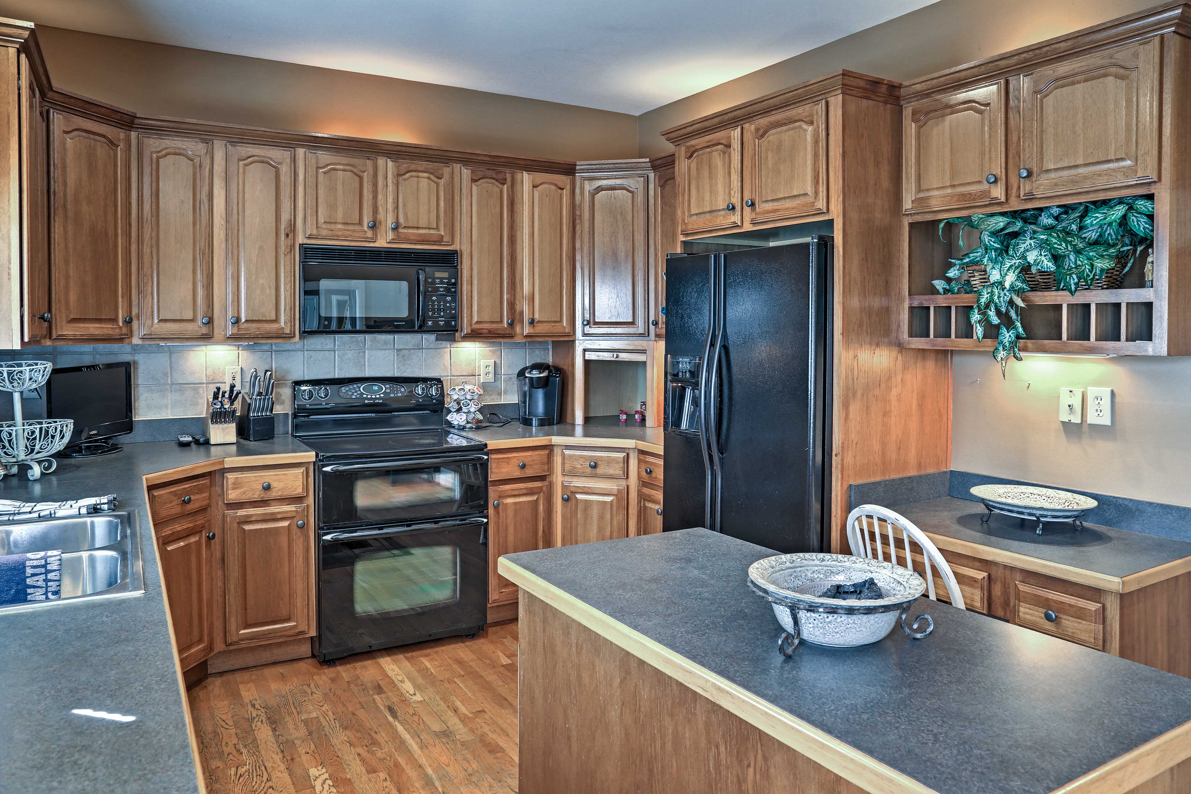 The fully equipped kitchen has everything you'll need to make your favorite recipes.