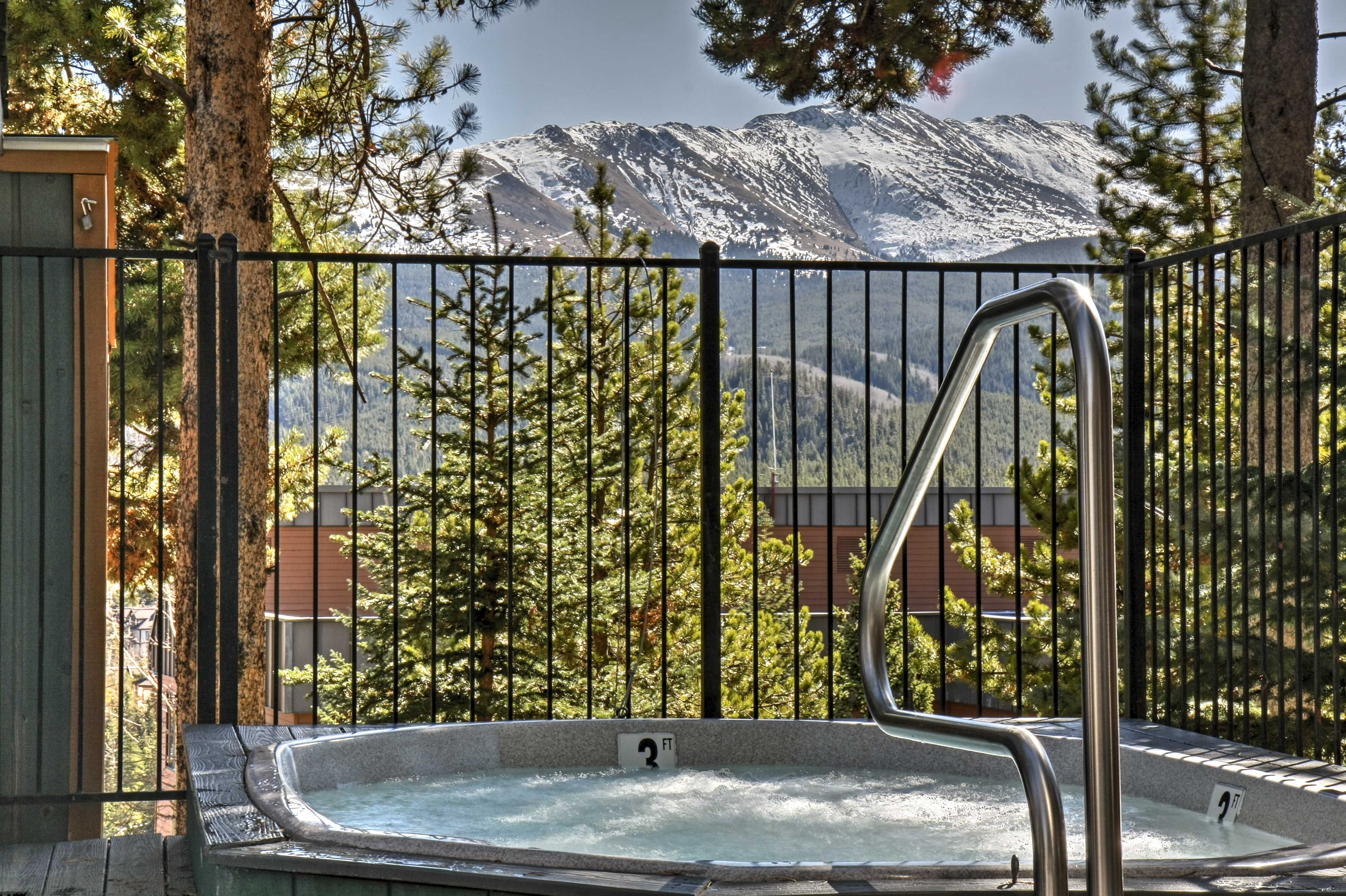Optimal relaxation awaits at this 3-bed vacation rental in Breckenridge!