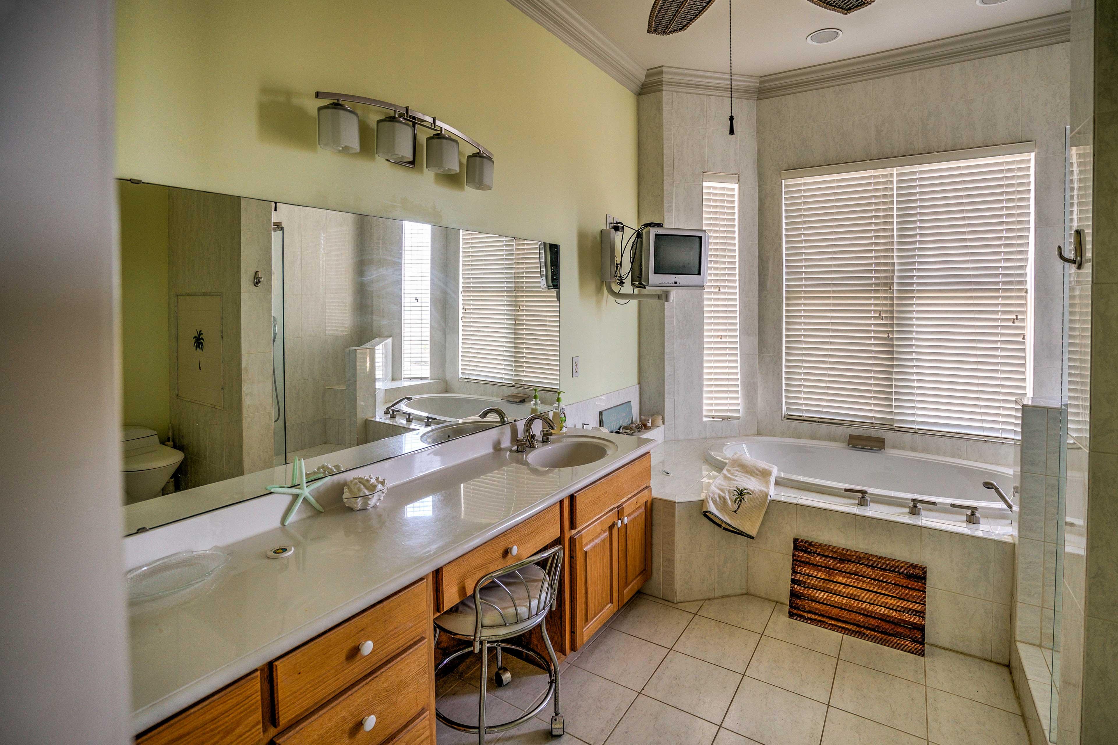 Soak in the master bedroom's en-suite bathroom.