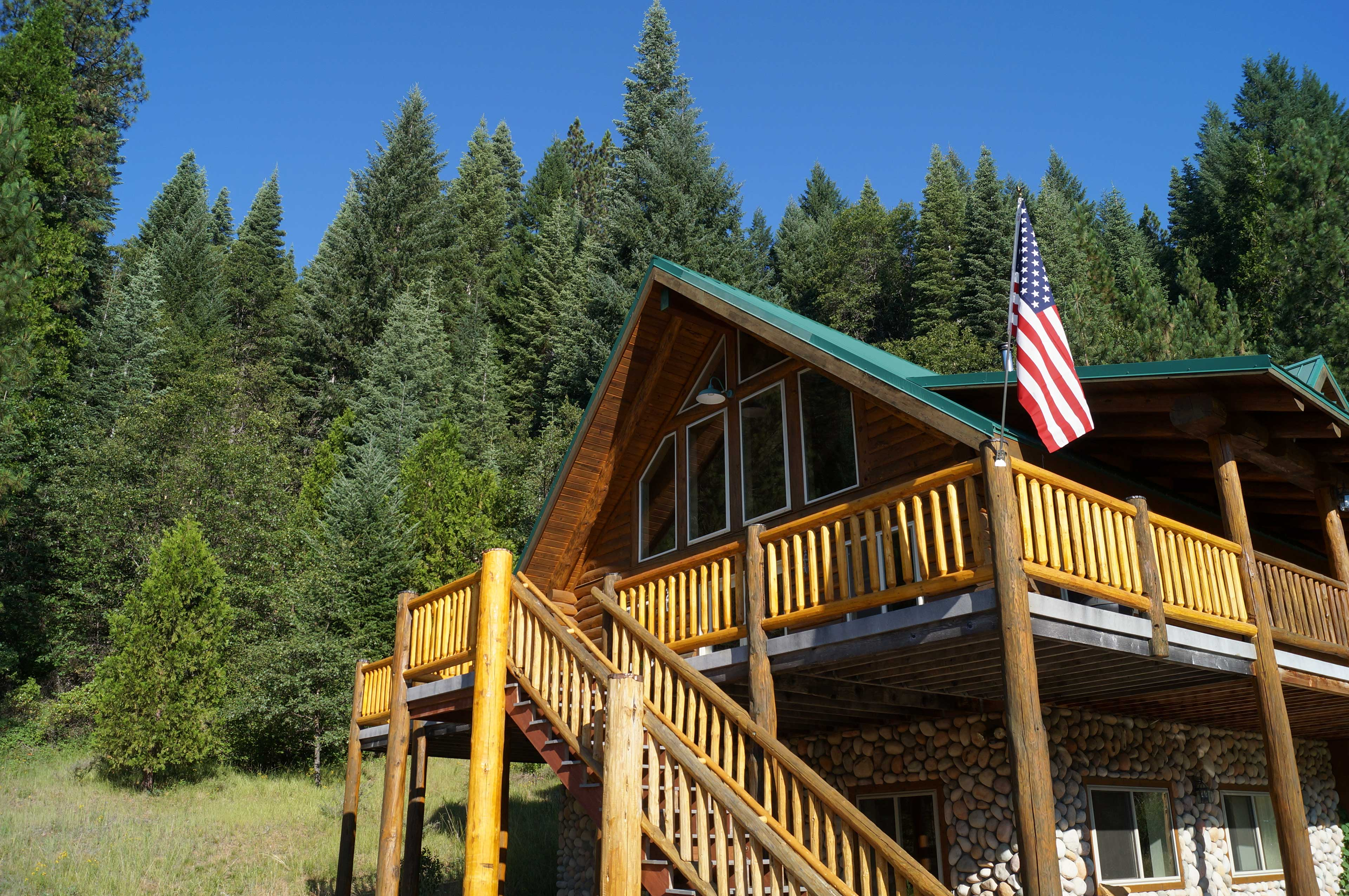 Make this property your home-away-from-home in McCloud!
