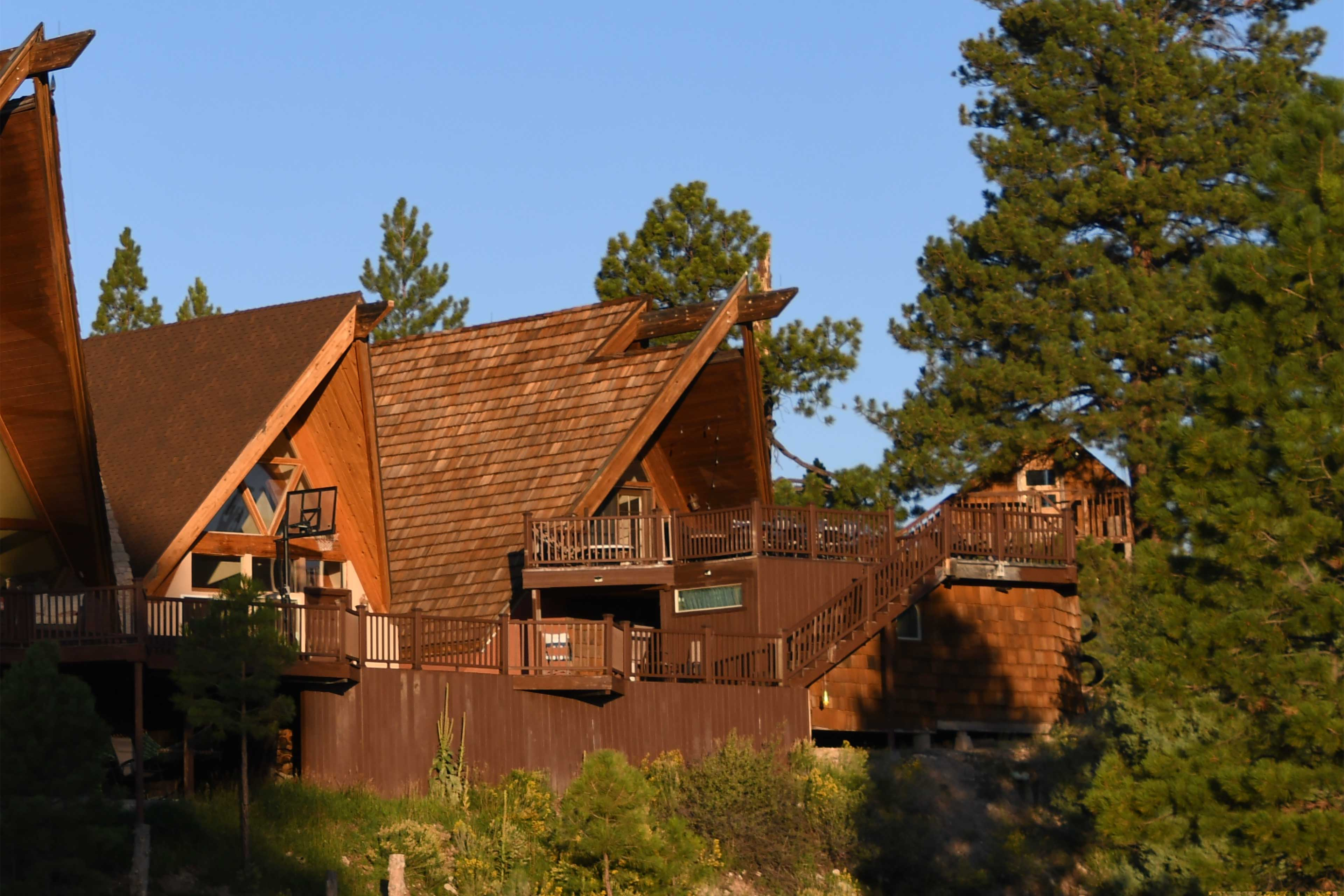 Long Valley Junction Vacation Rental   5BR   2.5 BA   3,000 Sq Ft