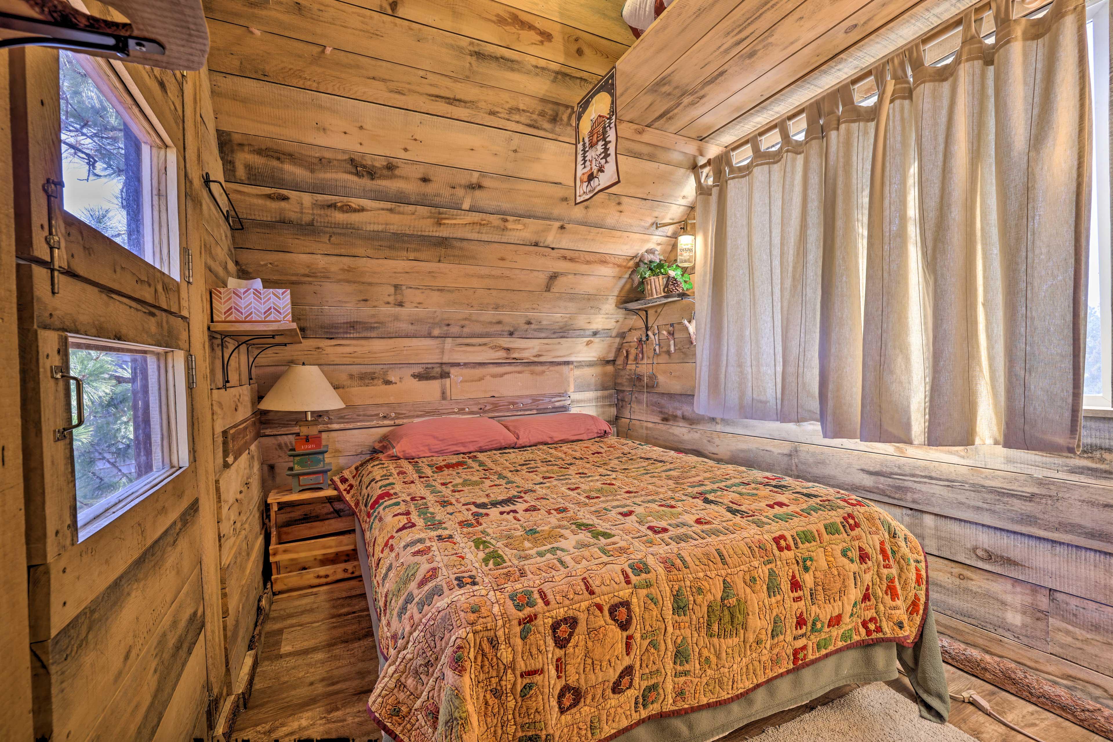 Bedroom 5 (Tree House)