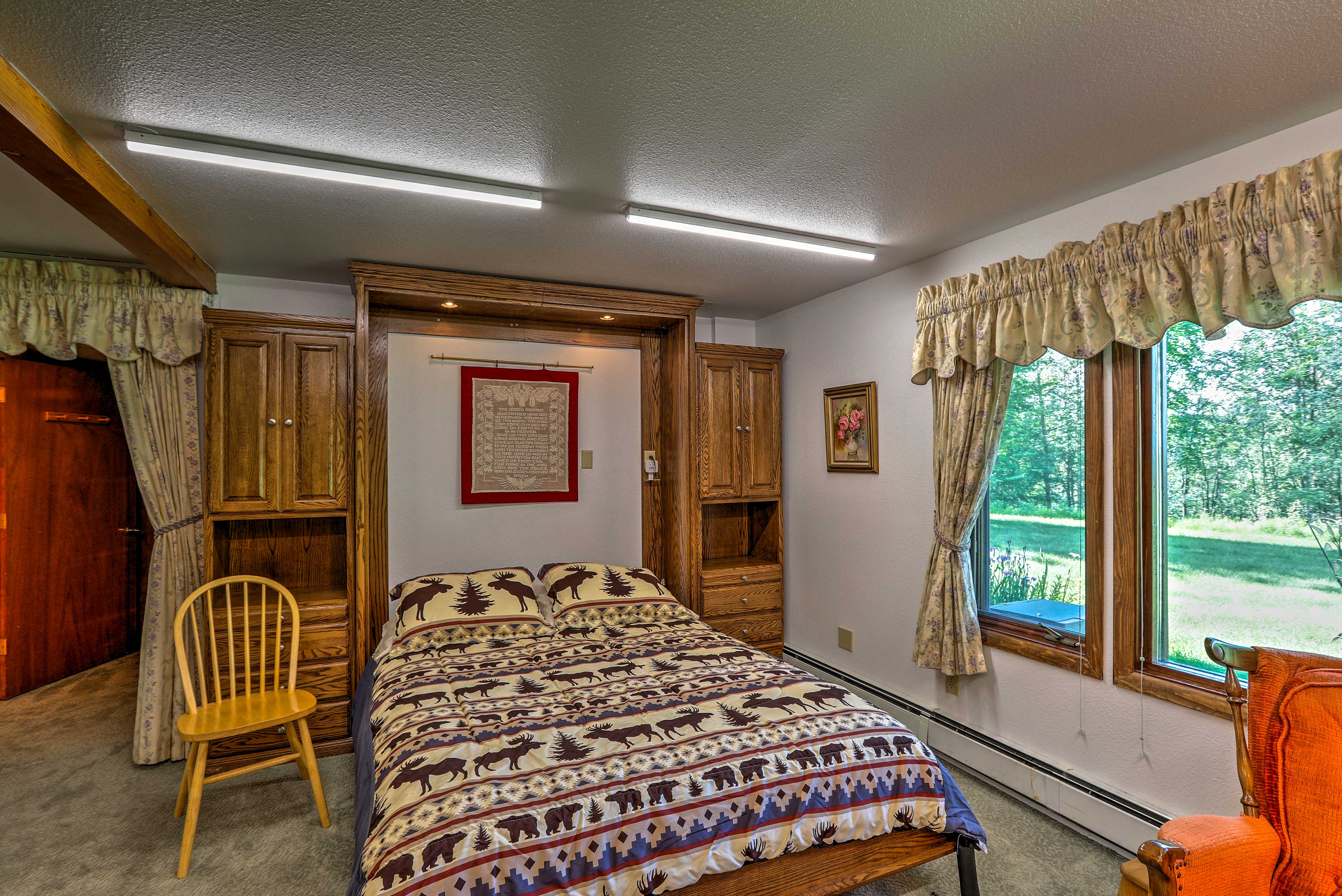 Cover yourself in quilts as you snuggle up on the full-sized Murphy bed.