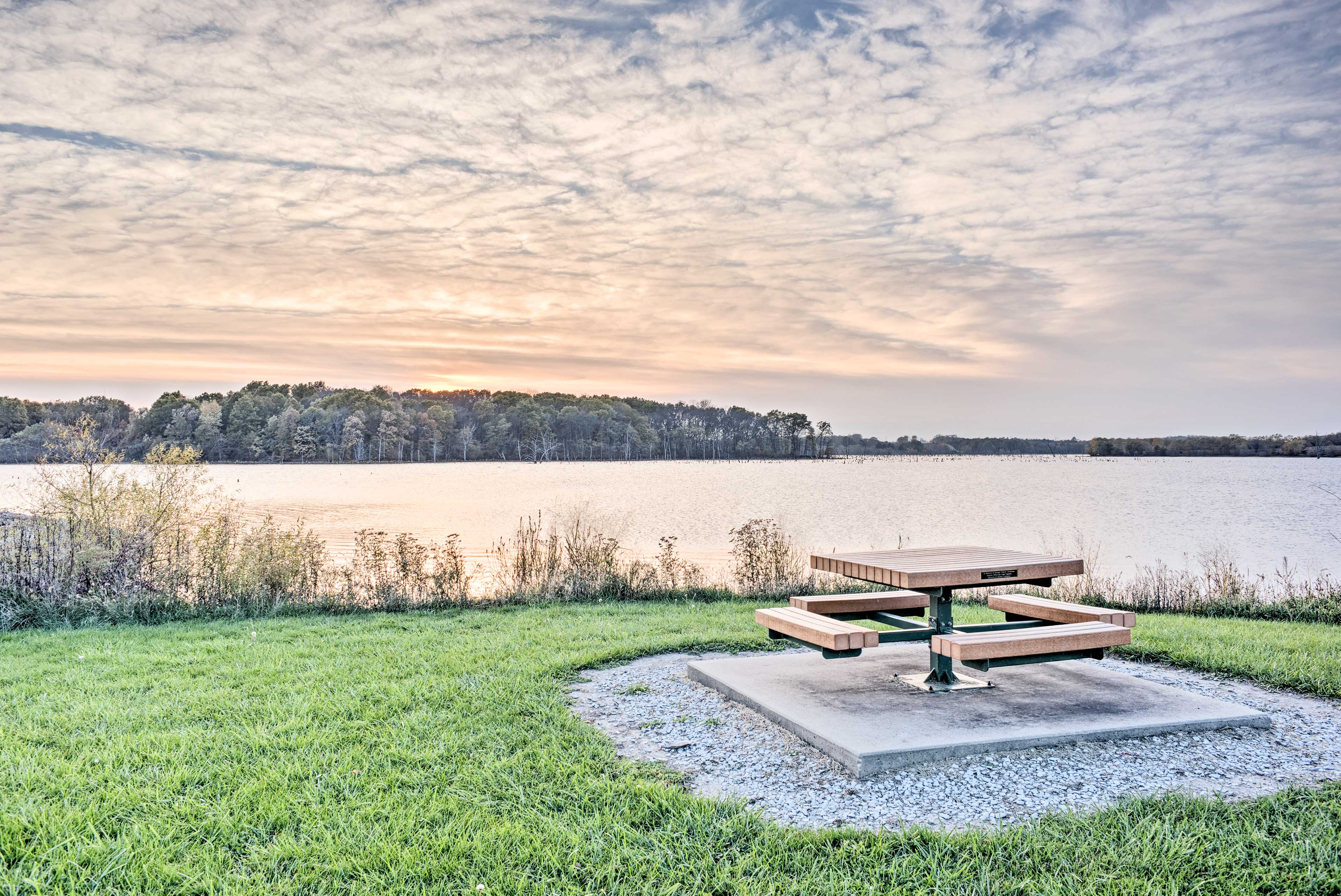 Pack up a picnic and eat in front of majestic sunset views!