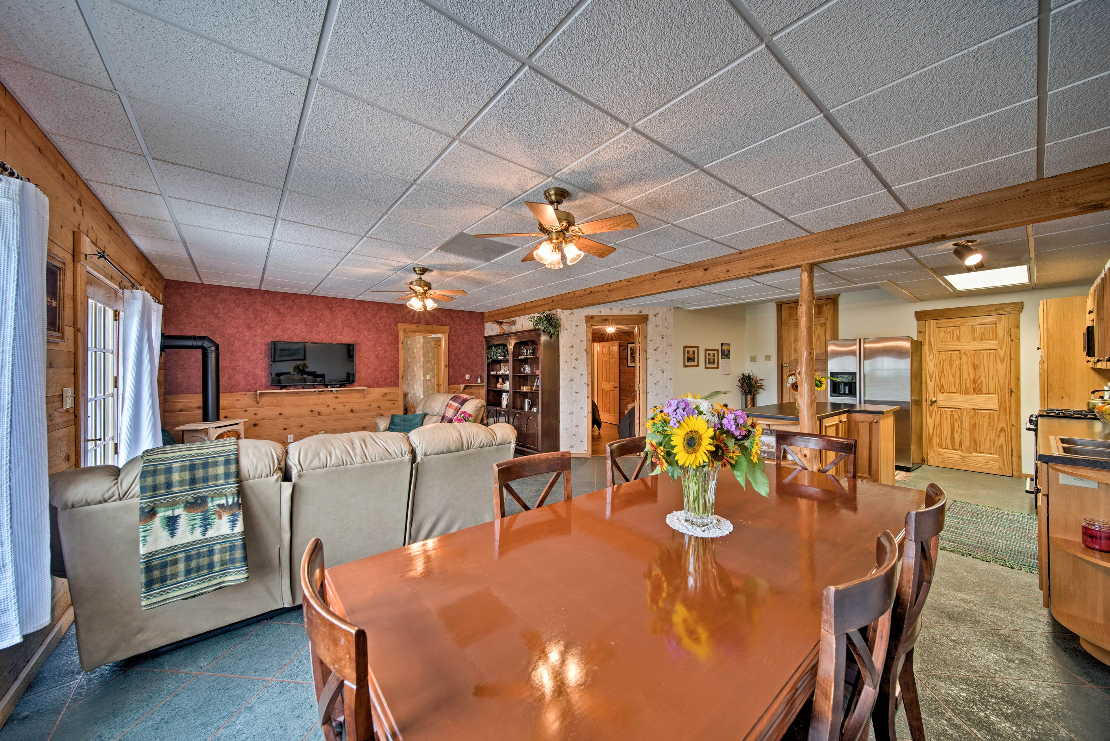 This cozy vacation rental can easily accommodate 7 guests.