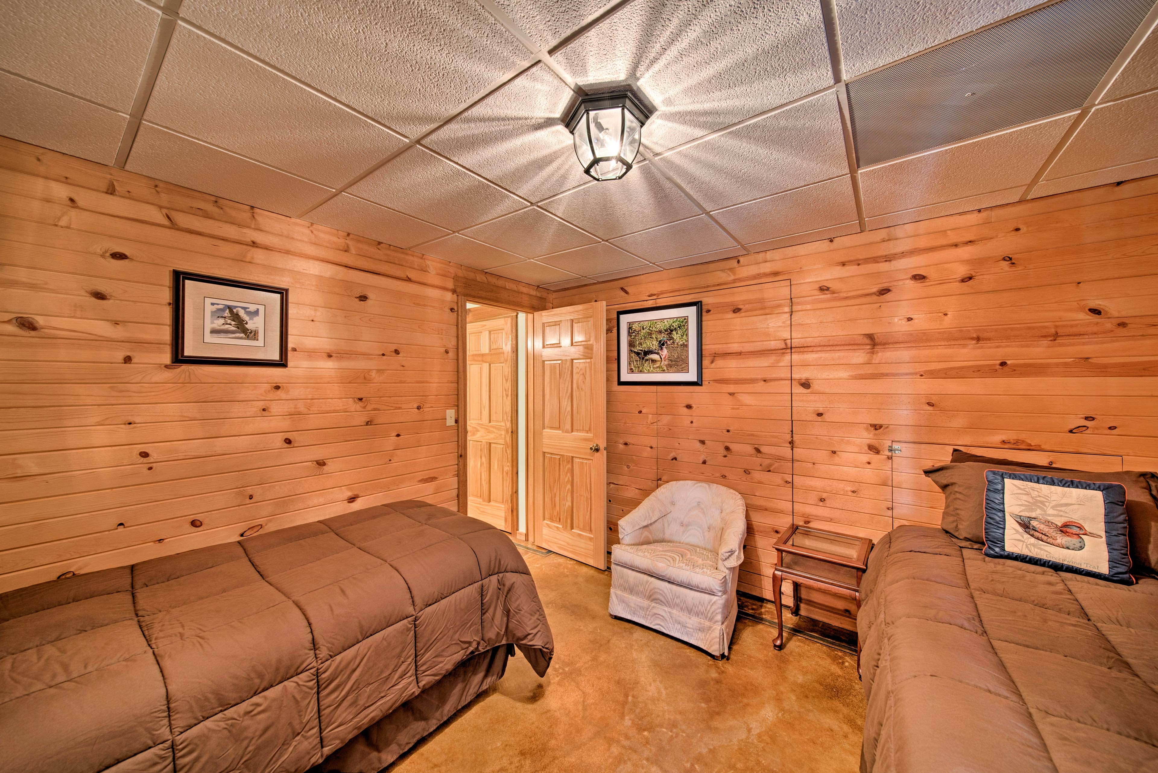 Guests can access the bathroom from both bedrooms.