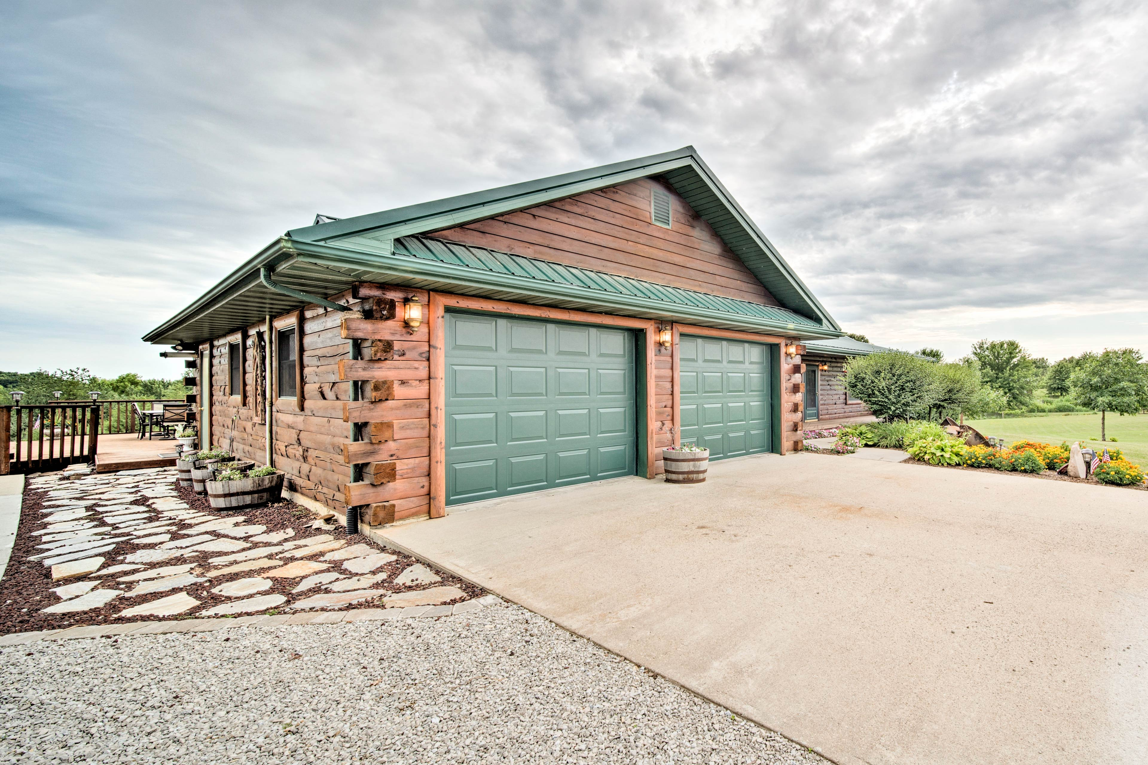 The driveway offers ample parking space!