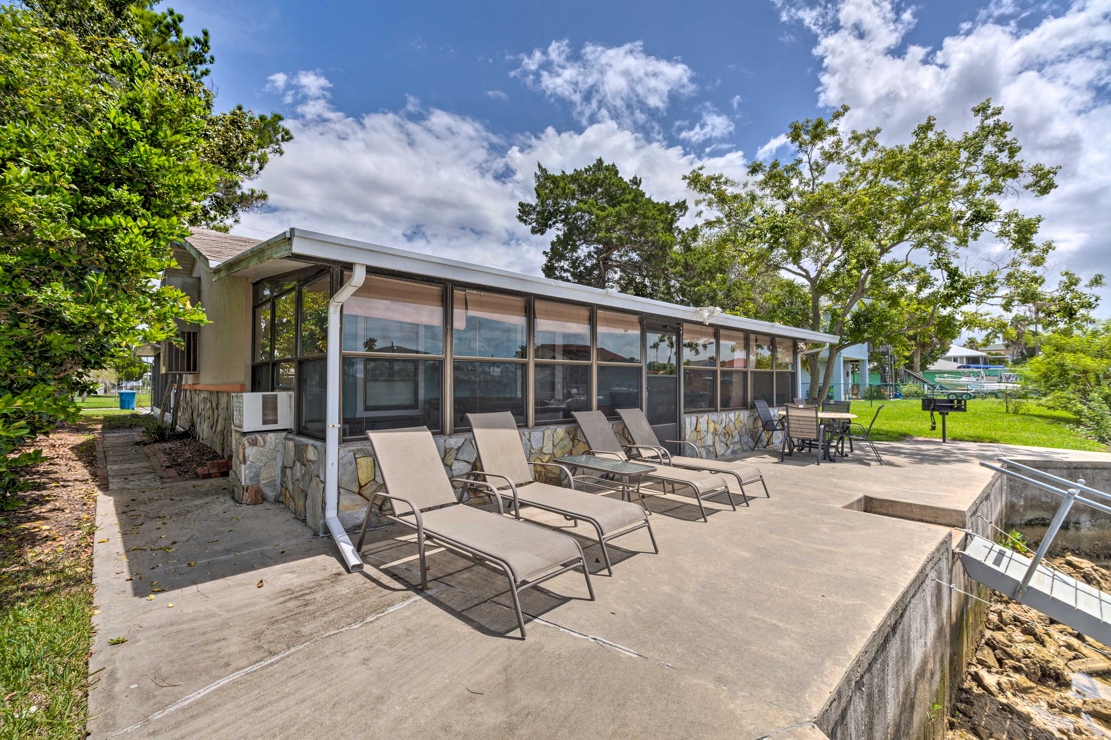 This 3-bedroom, 2-bathroom waterfront house accommodates 8 guests.