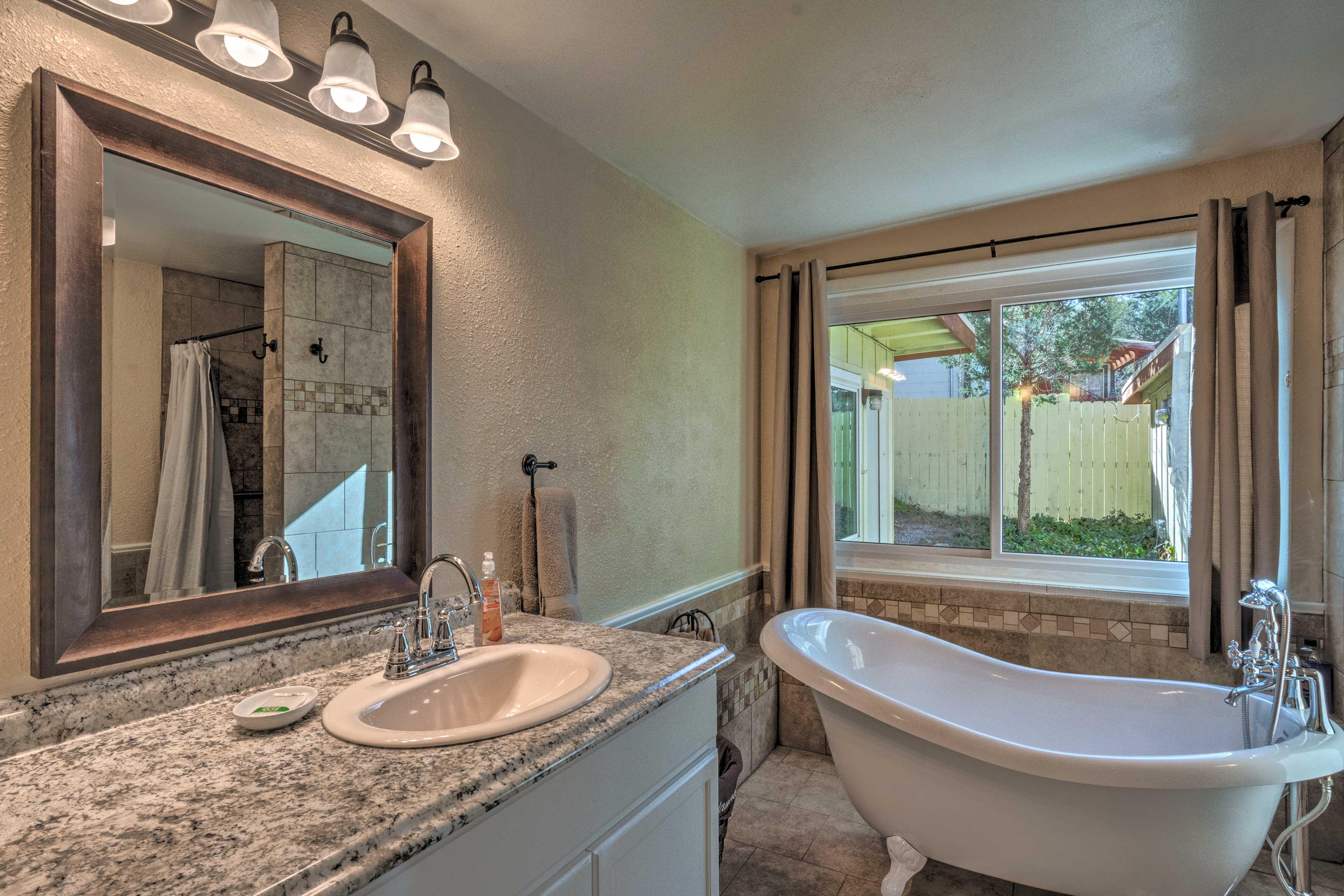 Full En-Suite Bathroom   Soaking Tub   Walk-In Shower