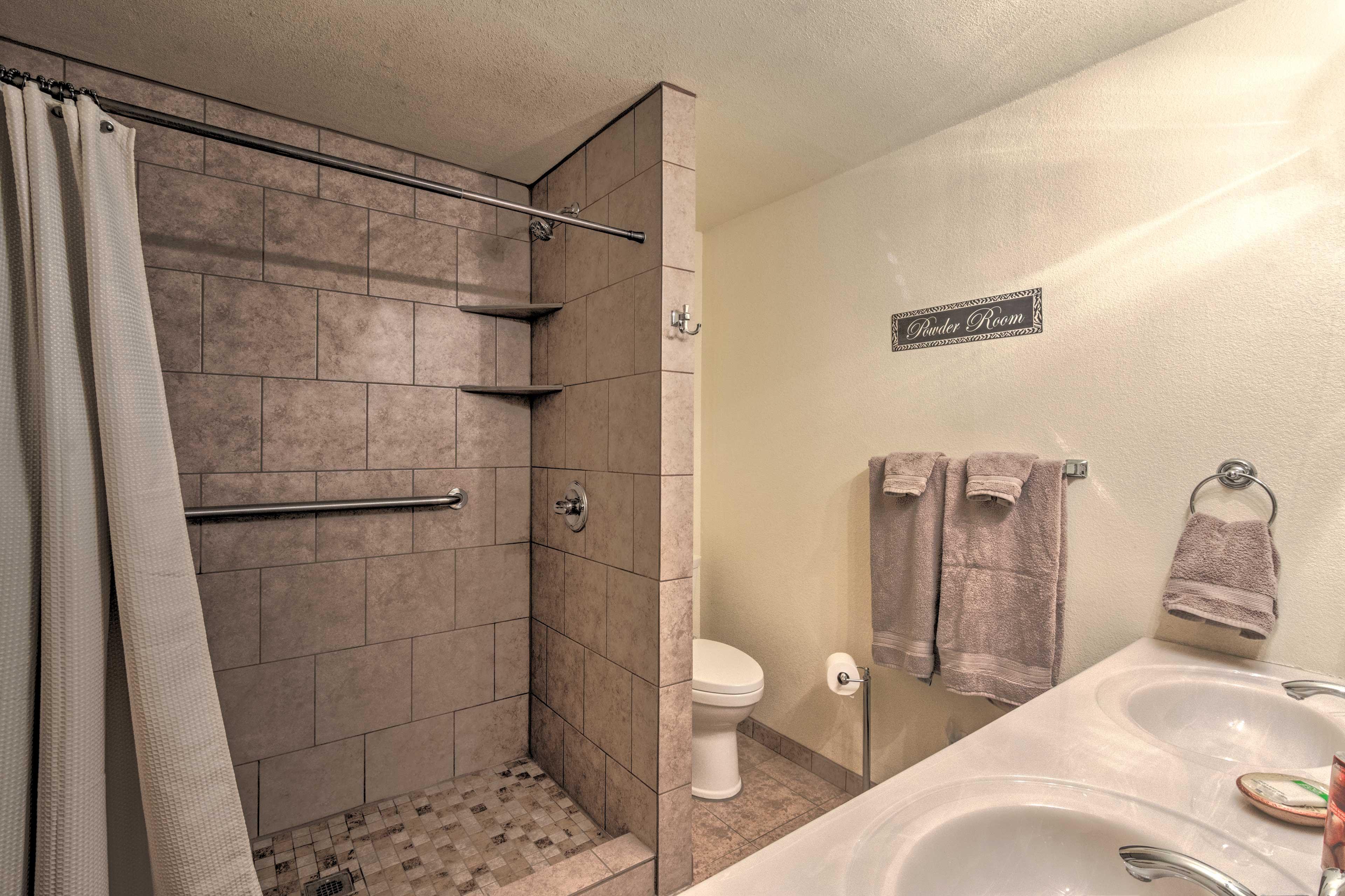 Full En-Suite Bathroom   Walk-In Shower   Double Vanity