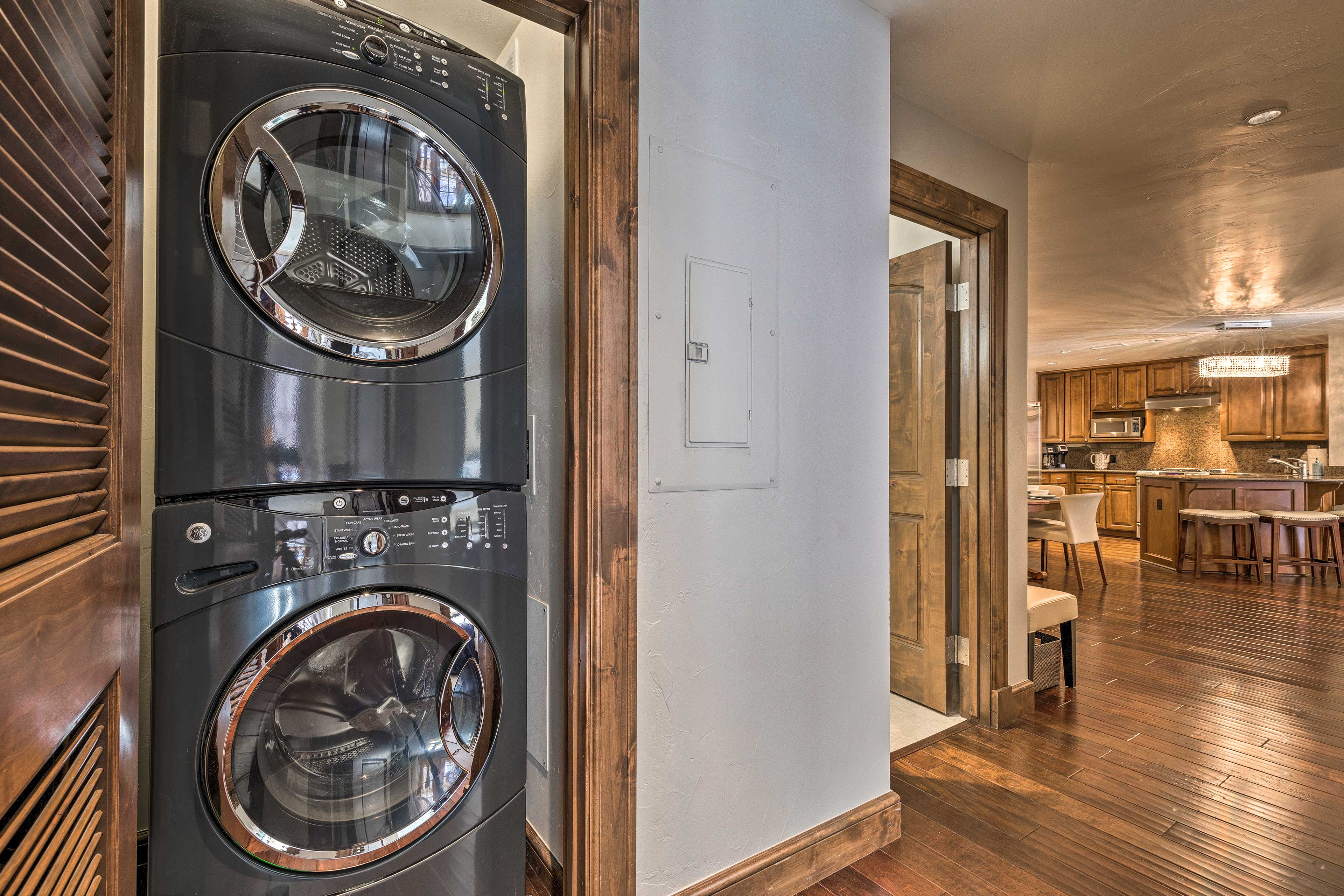 Easily keep your clothes fresh and clean with in-unit laundry machines.