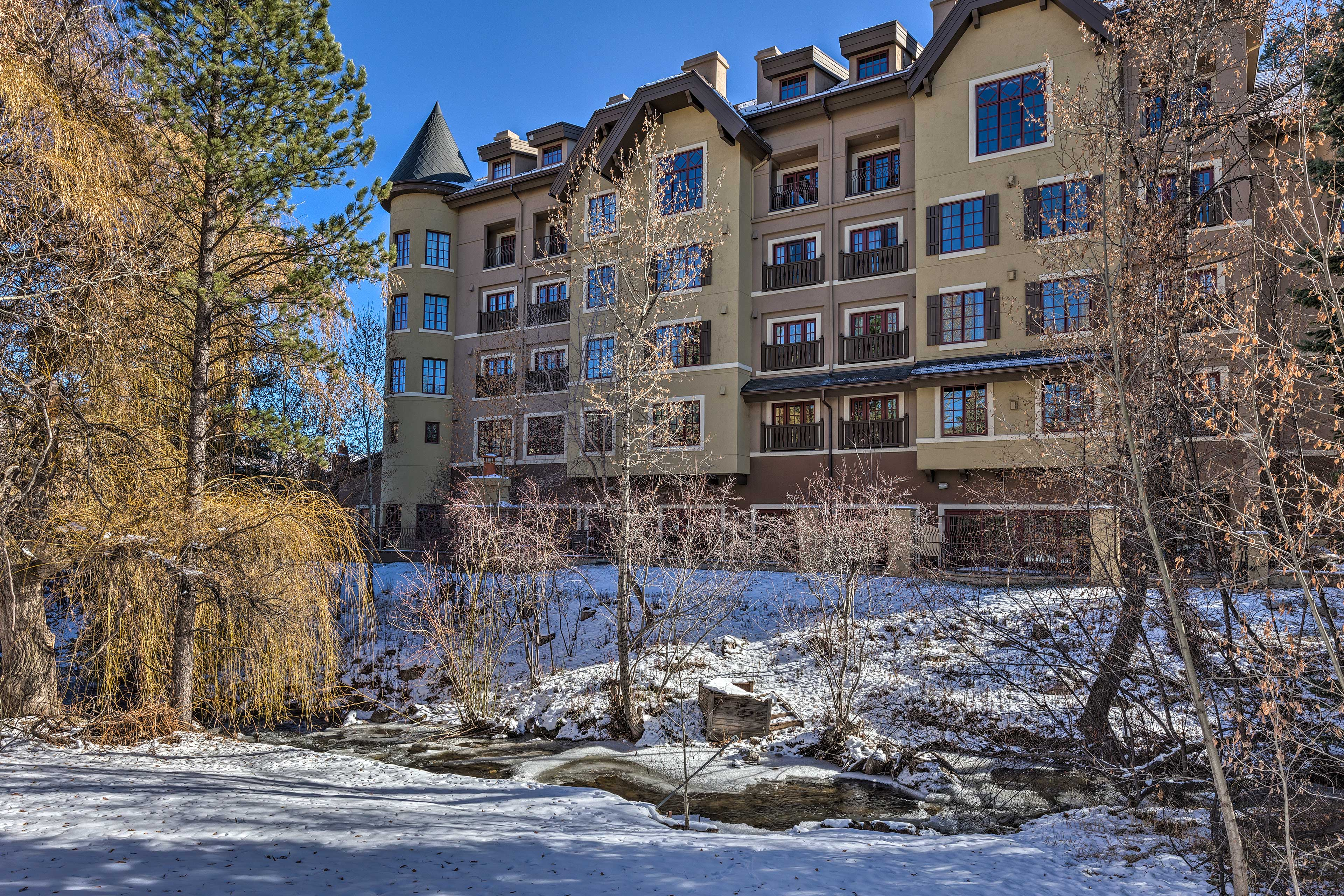 This complex is a picture-perfect example of colorful Colorado!