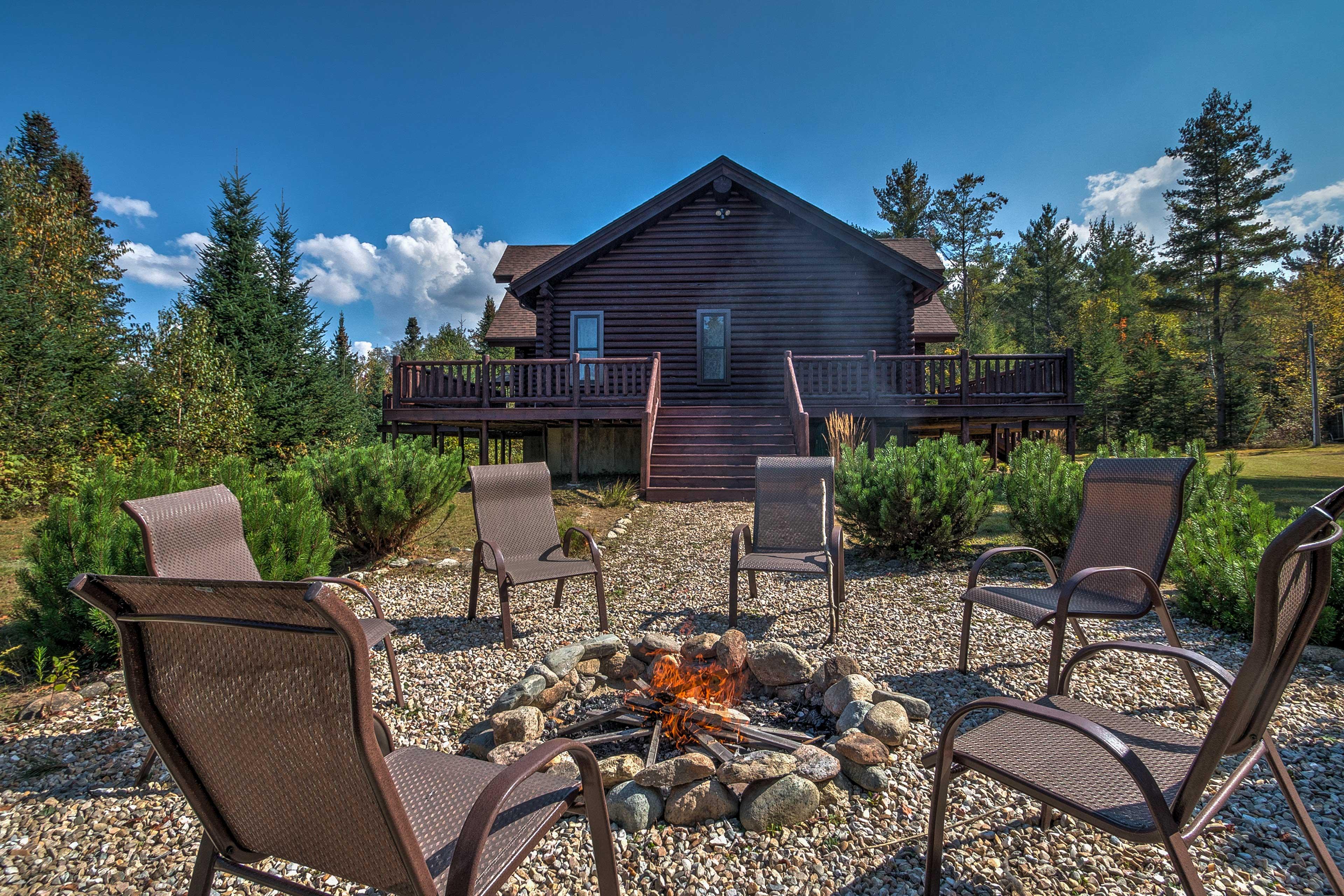 Nature awaits at this beautiful 3-bedroom, 3-bathroom vacation rental cabin!