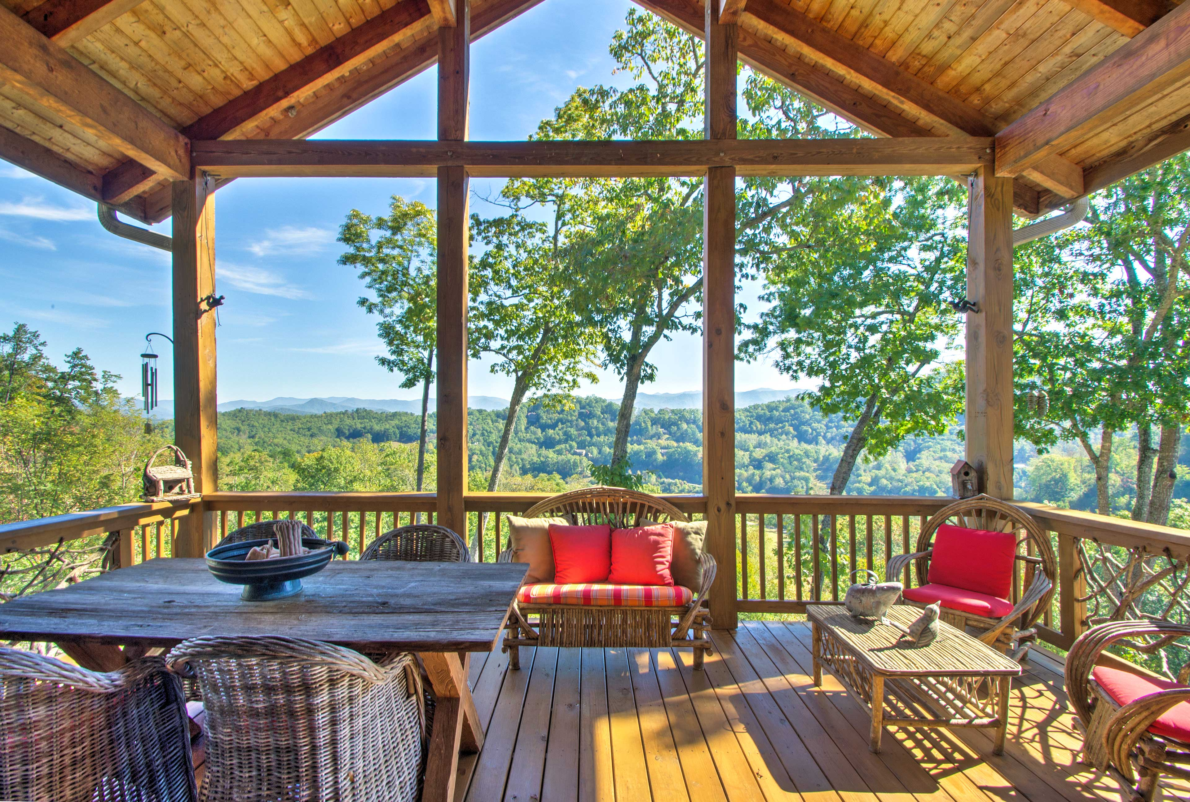 Enjoy Smoky Mountain views from this vacation rental condo in Whittier.