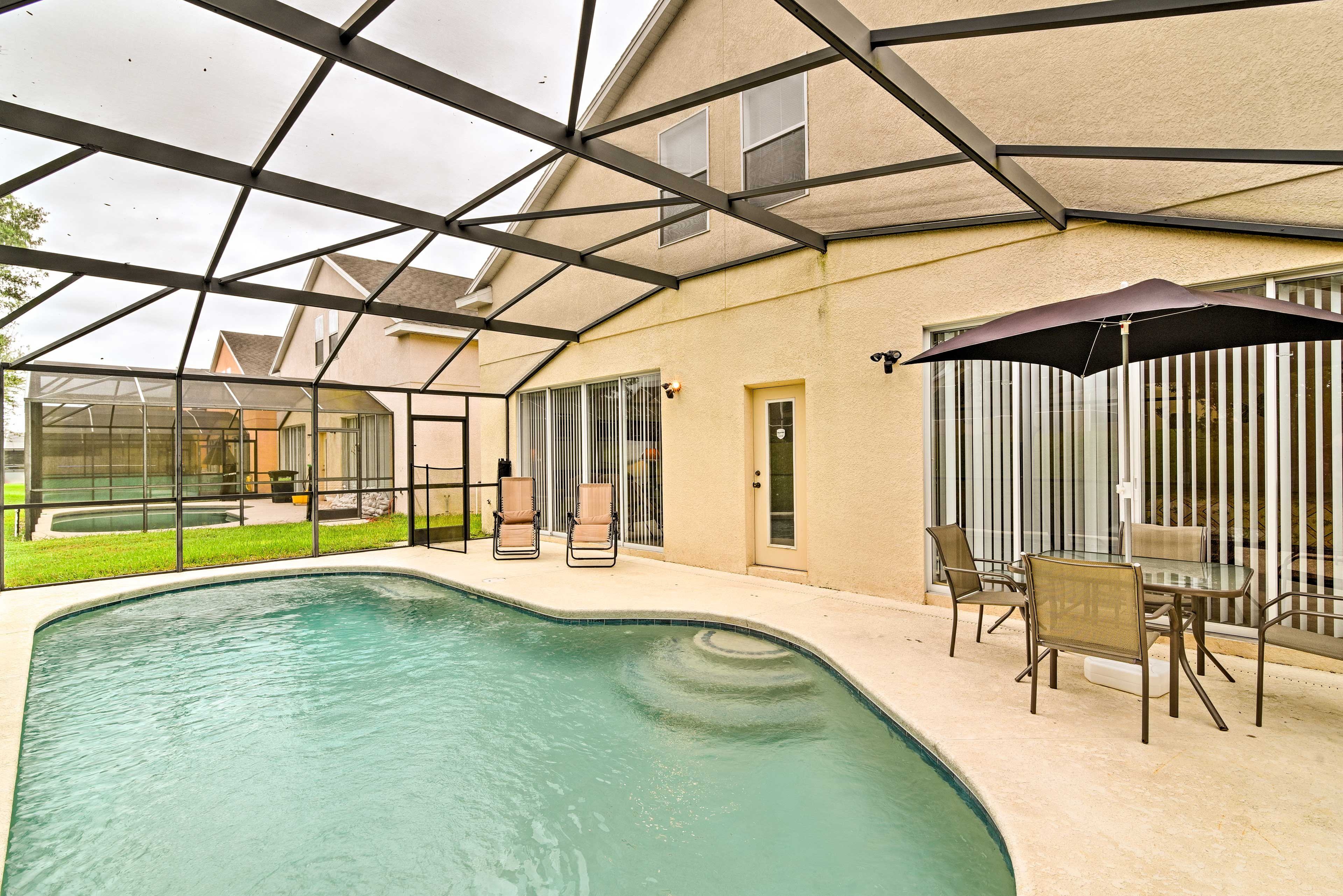 Book this 5BR, 3-bath vacation rental home in Davenport for your Disney getaway.