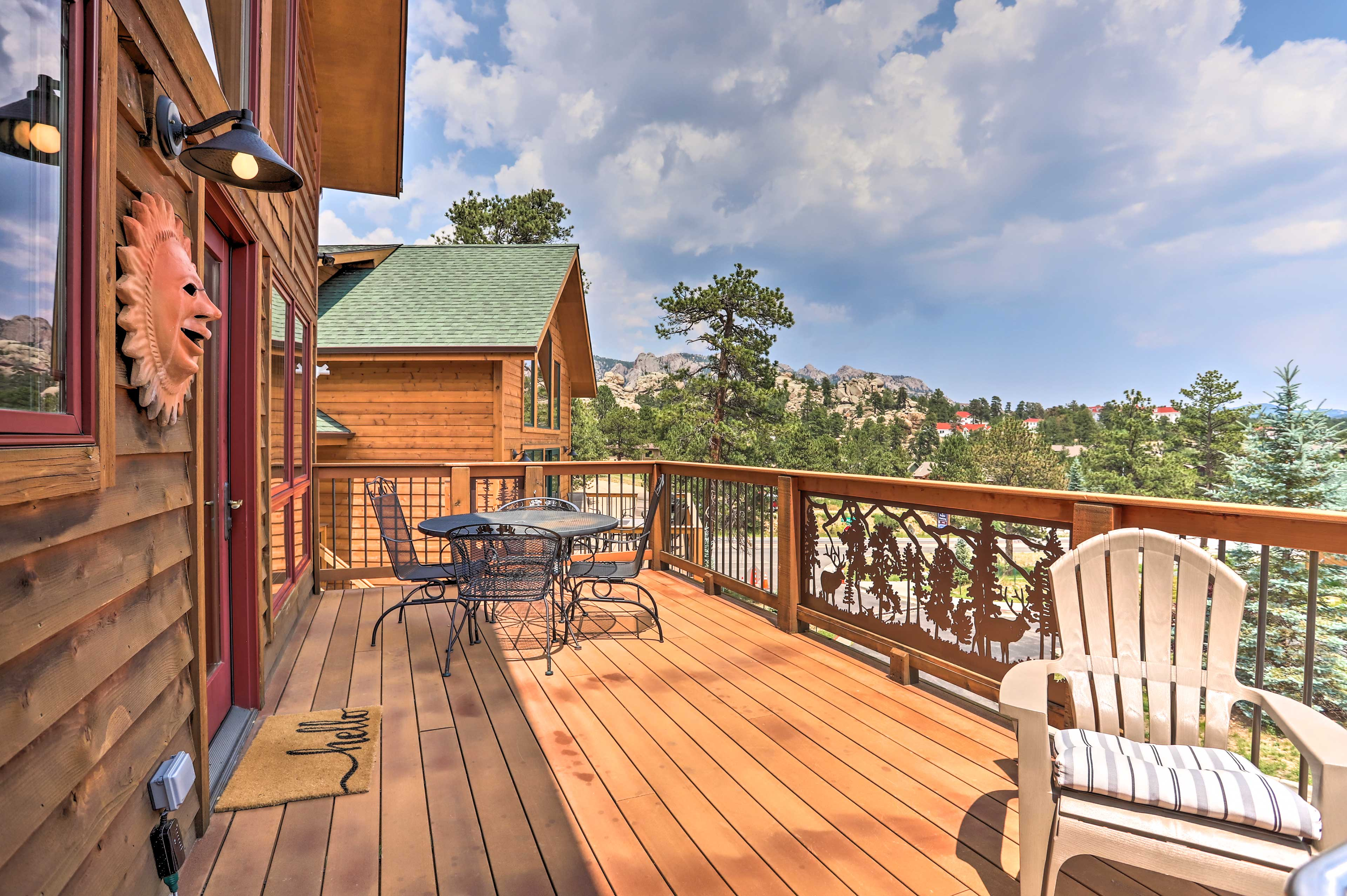 Private Deck | Outdoor Dining Area