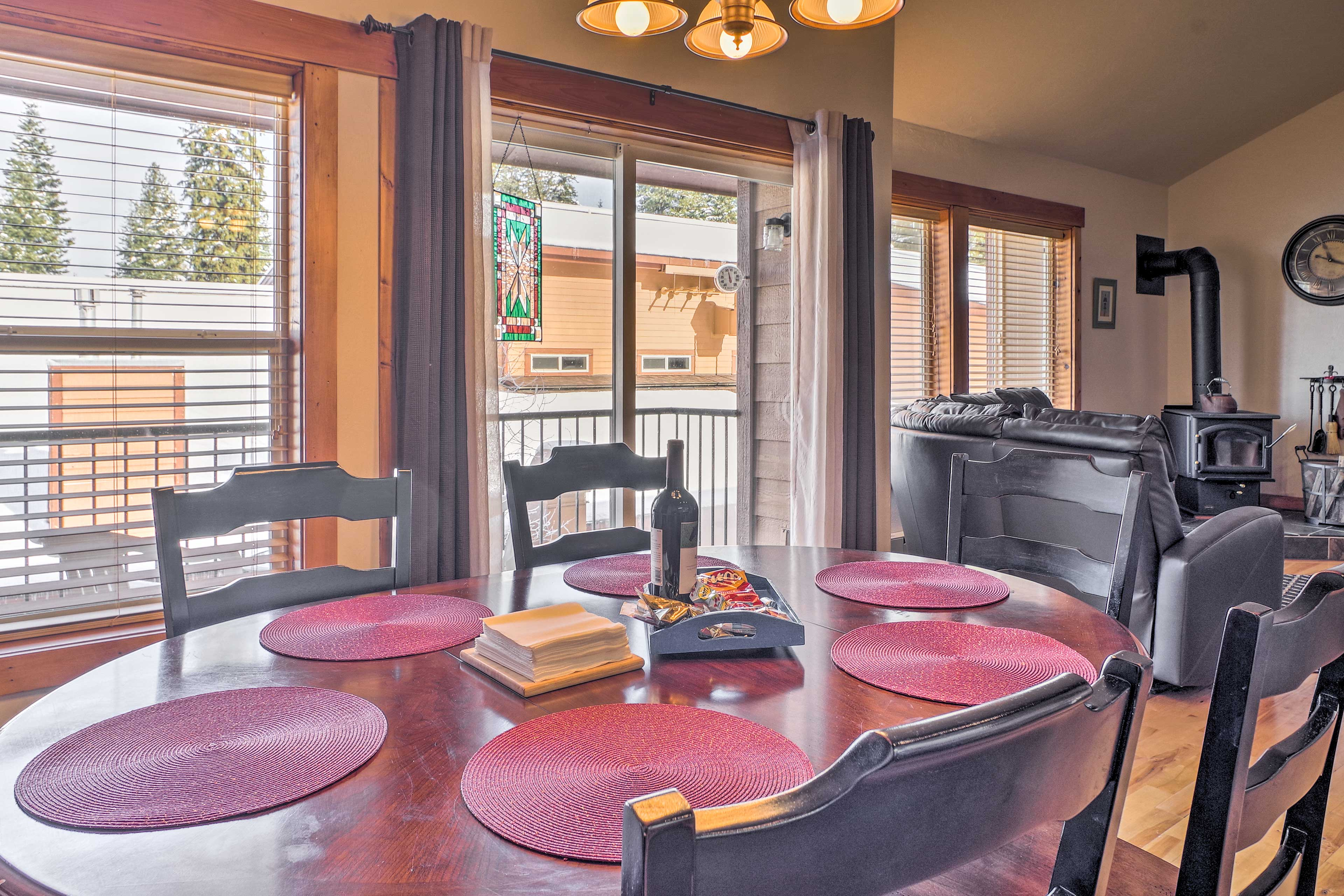 Share delicious home-cooked meals at the dining room table with seating for 6.