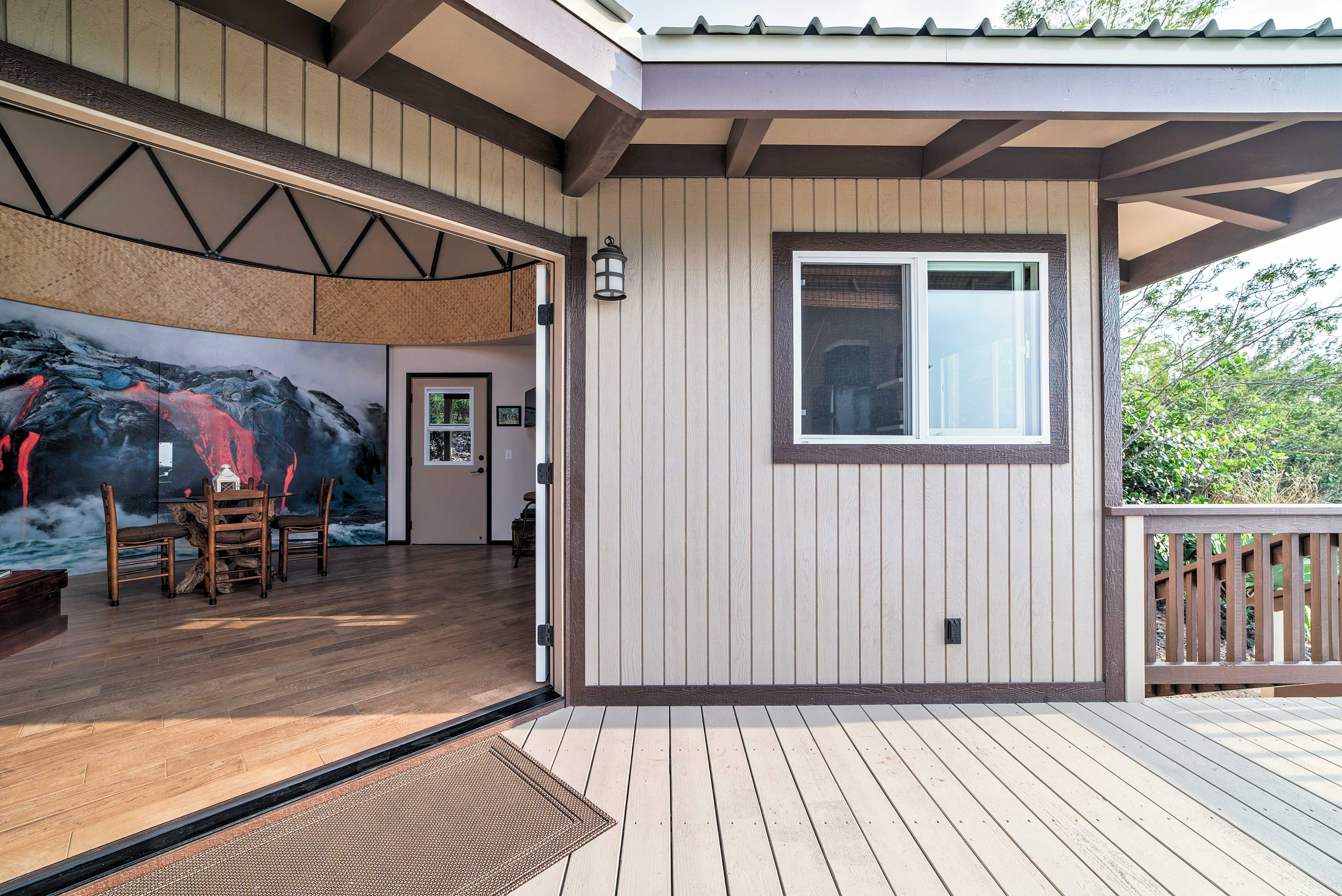 Let the outdoors in with the spacious doorway to the patio!