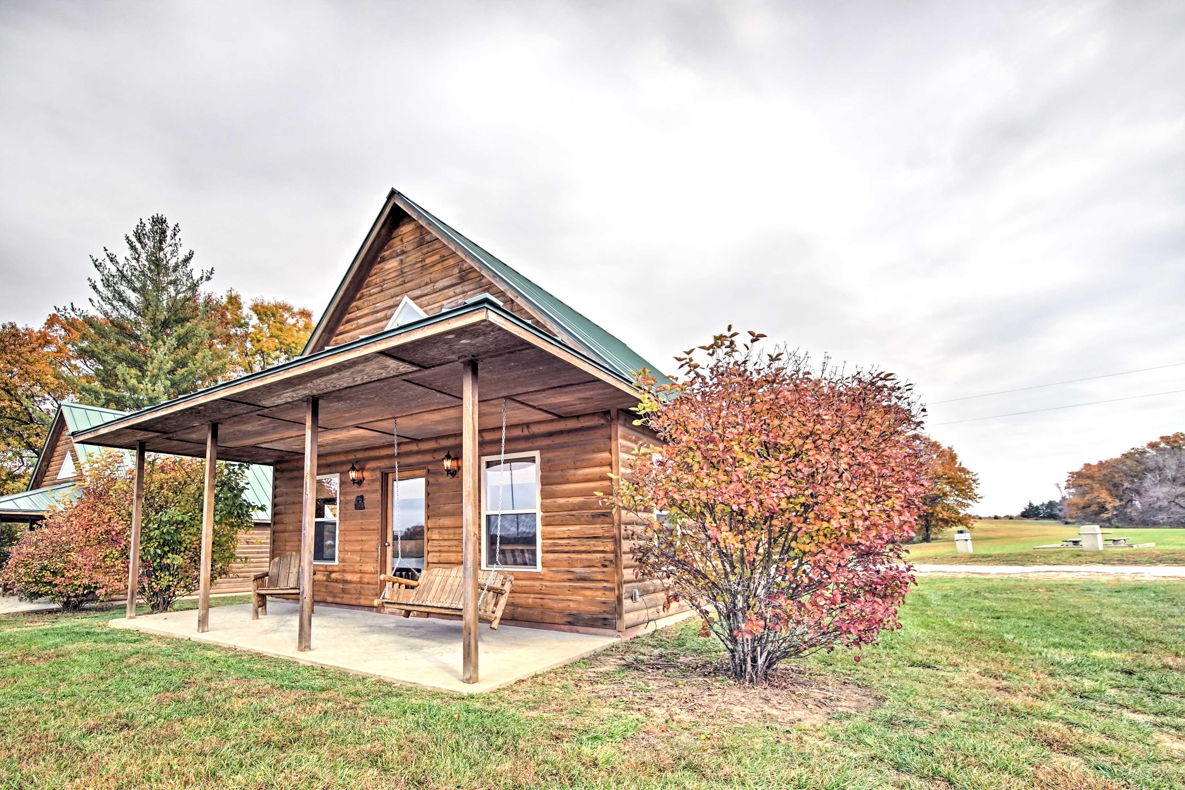 Escape to Newman Lake at this 1-bed +loft, 1-bath vacation rental cabin!