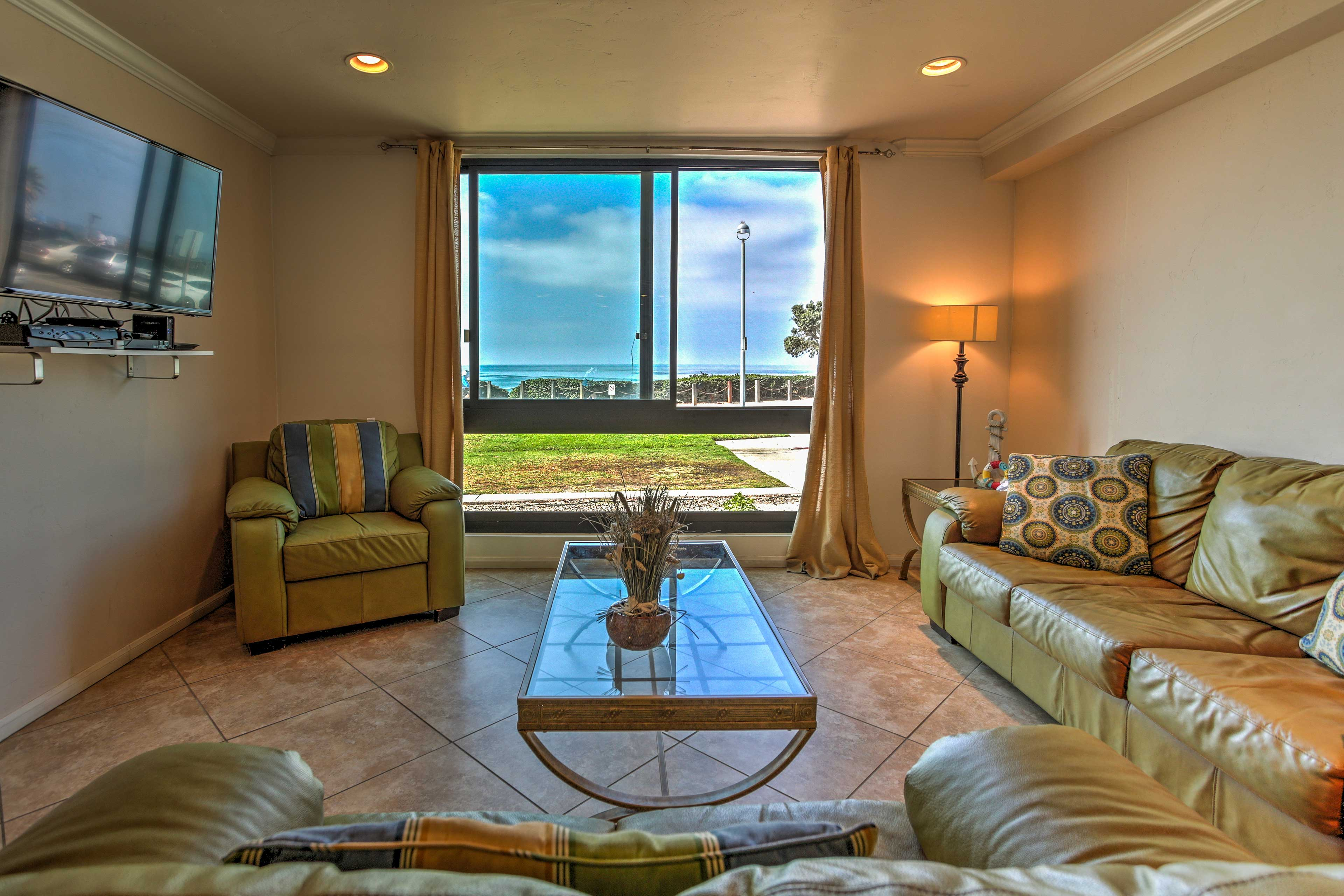 Experience San Diego in all its glory from this 1-bed vacation rental condo!