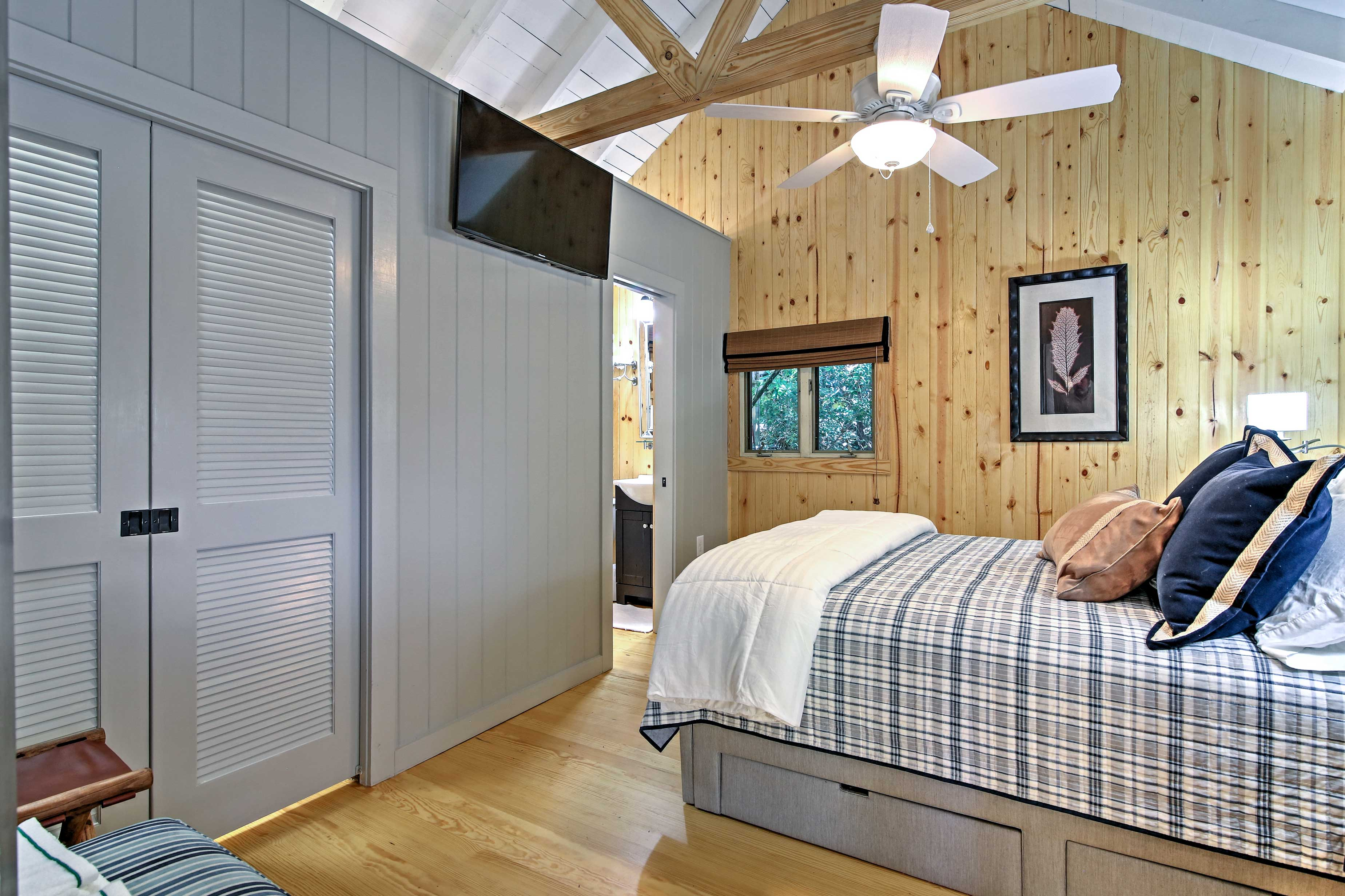 When you're ready for bed, choose between the 2 well-appointed bedrooms.