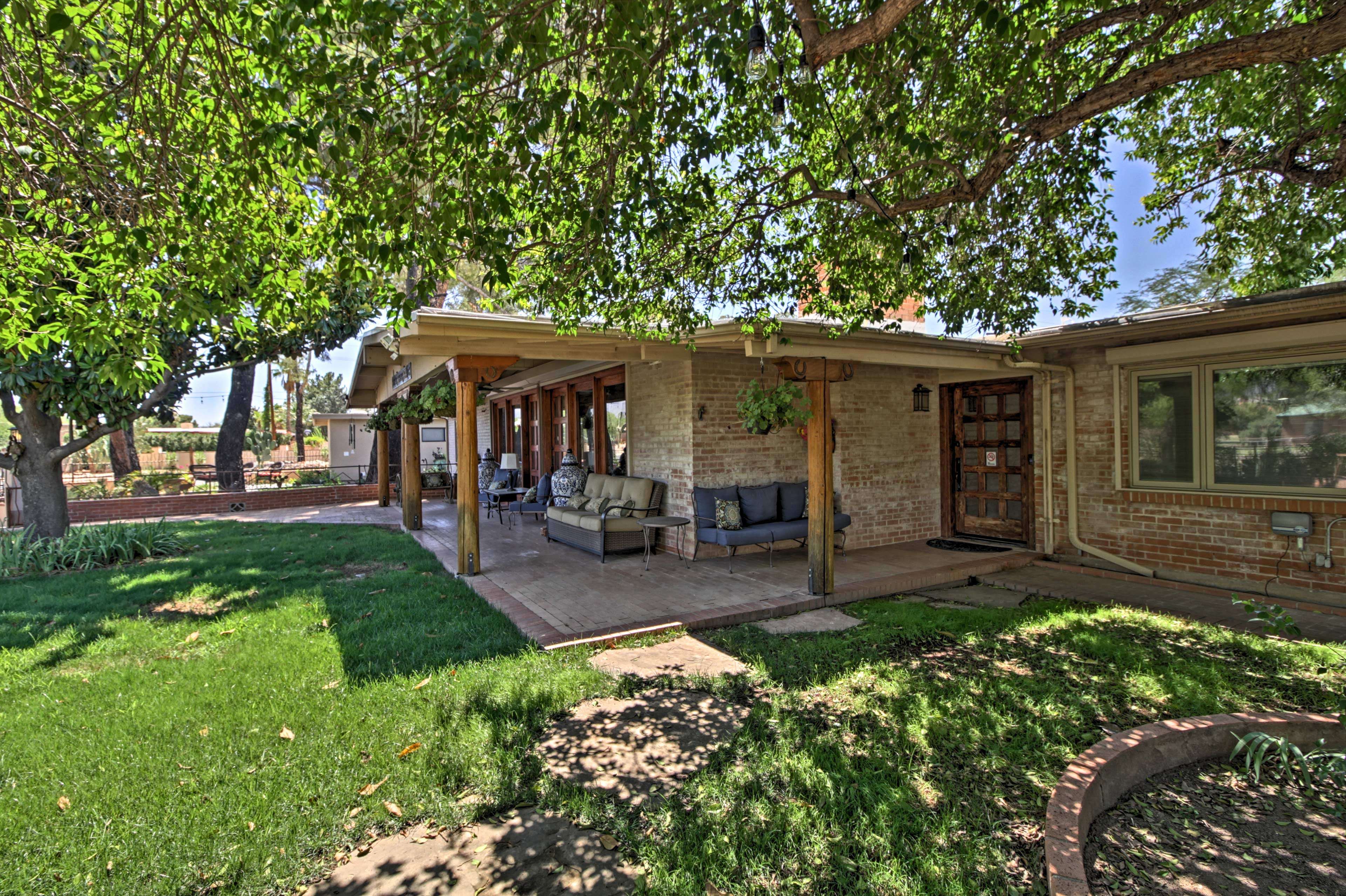 Explore nature's beauty from this 5-bed, 4-bath vacation rental home in Tucson!