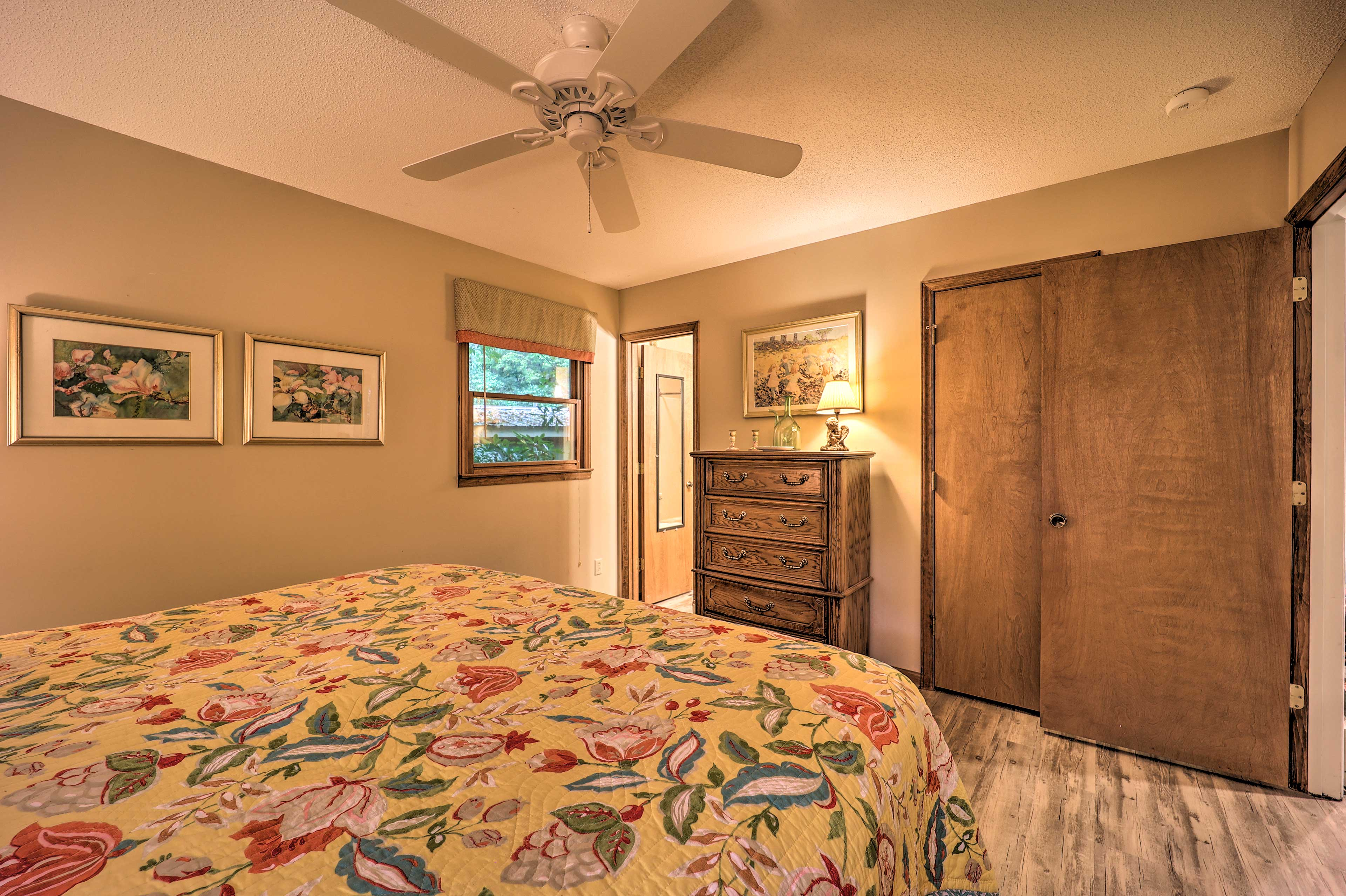 Master Bedroom | Main Level