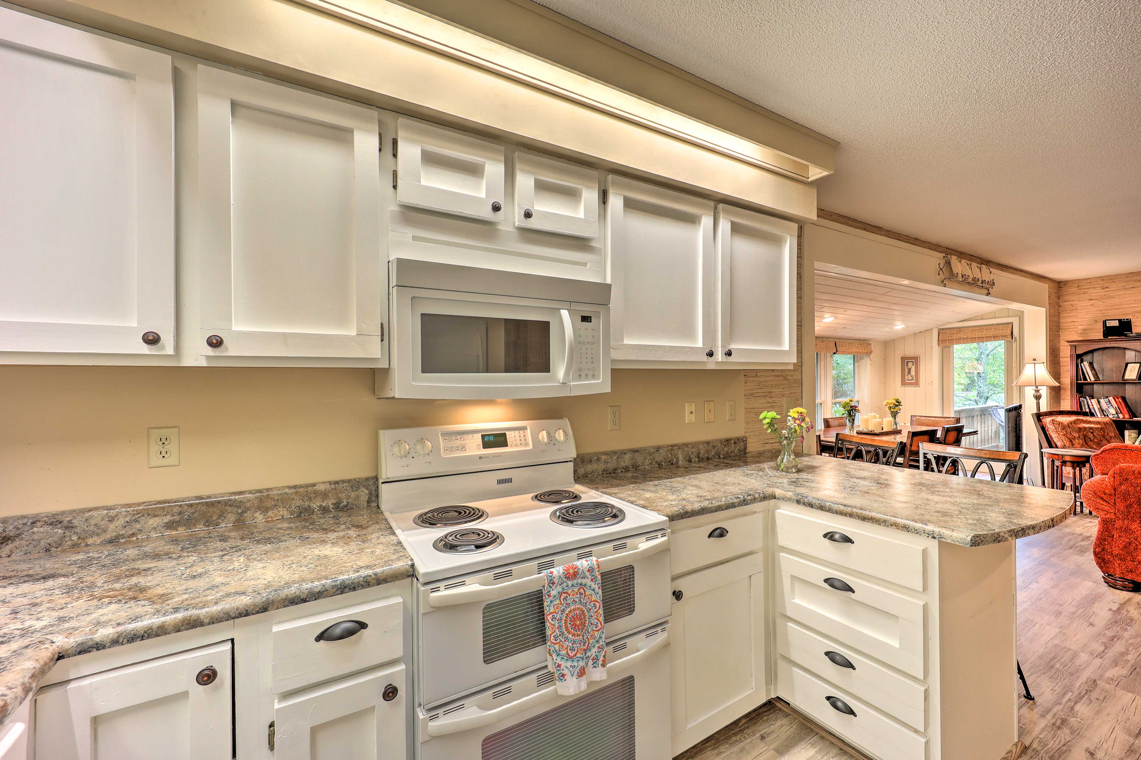 Fully Equipped Kitchen | New Counters