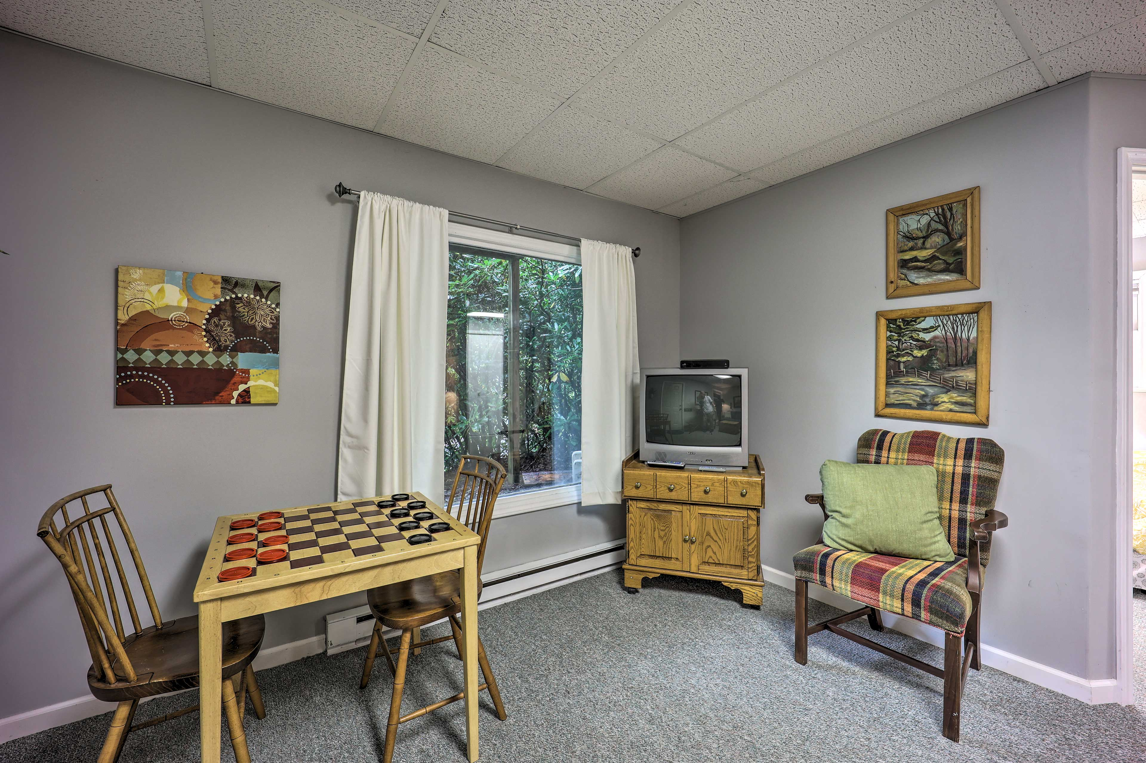 Lower-Level Living Room | Cable TV