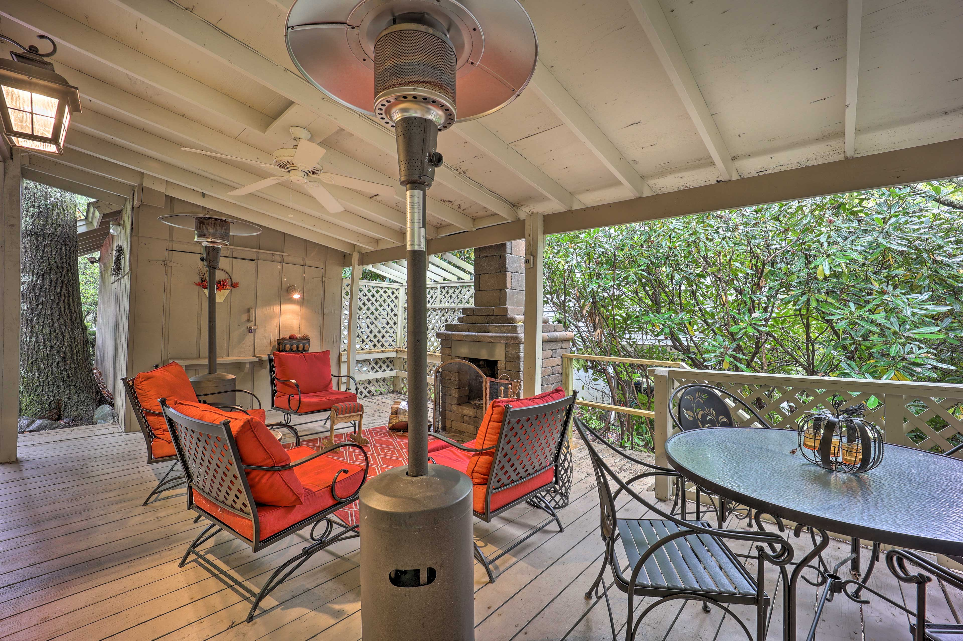 Covered Outdoor Space | 2 Heaters