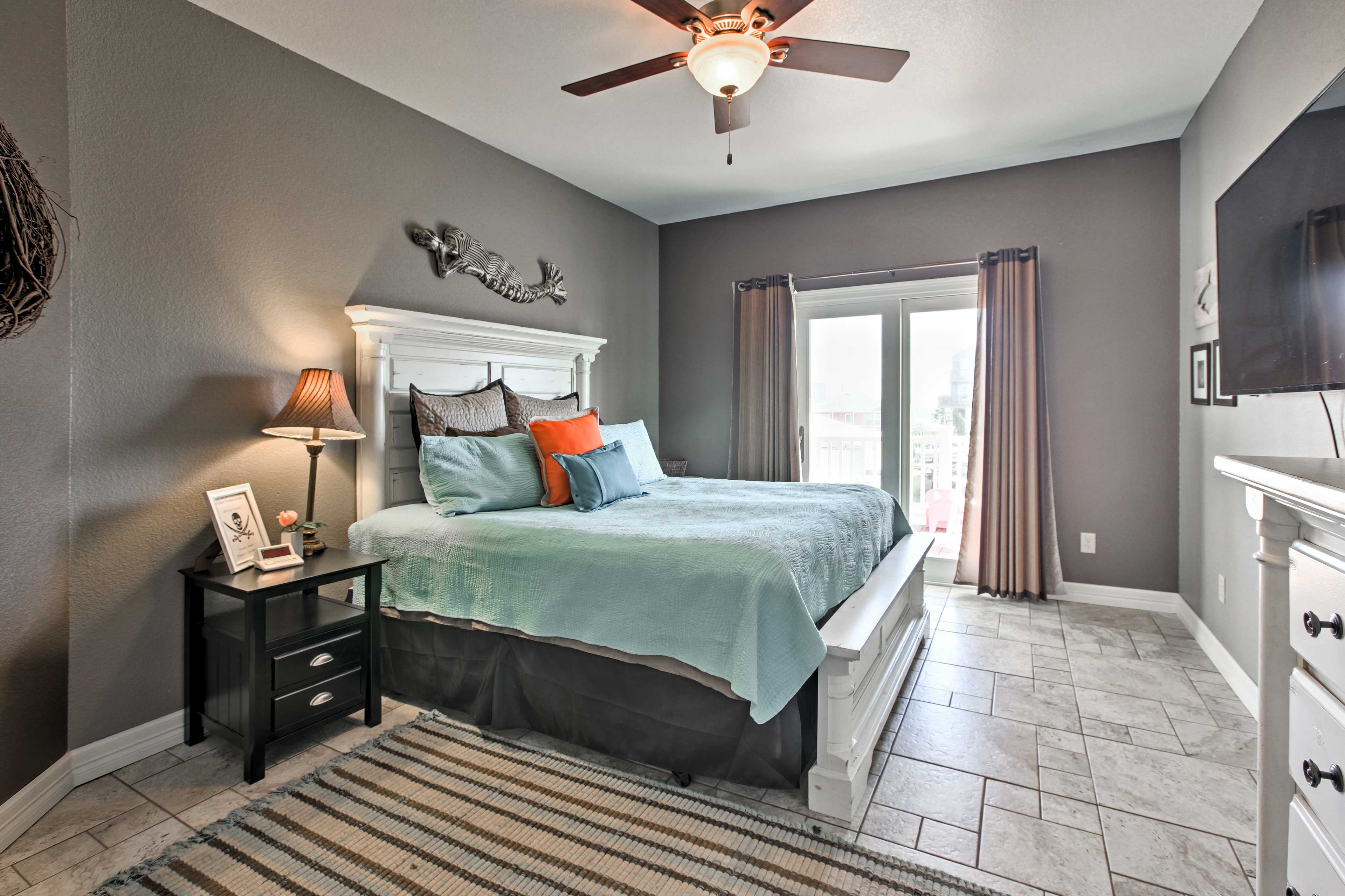 Everyone is sure to get a restful night's sleep in one of the 5 bedrooms.