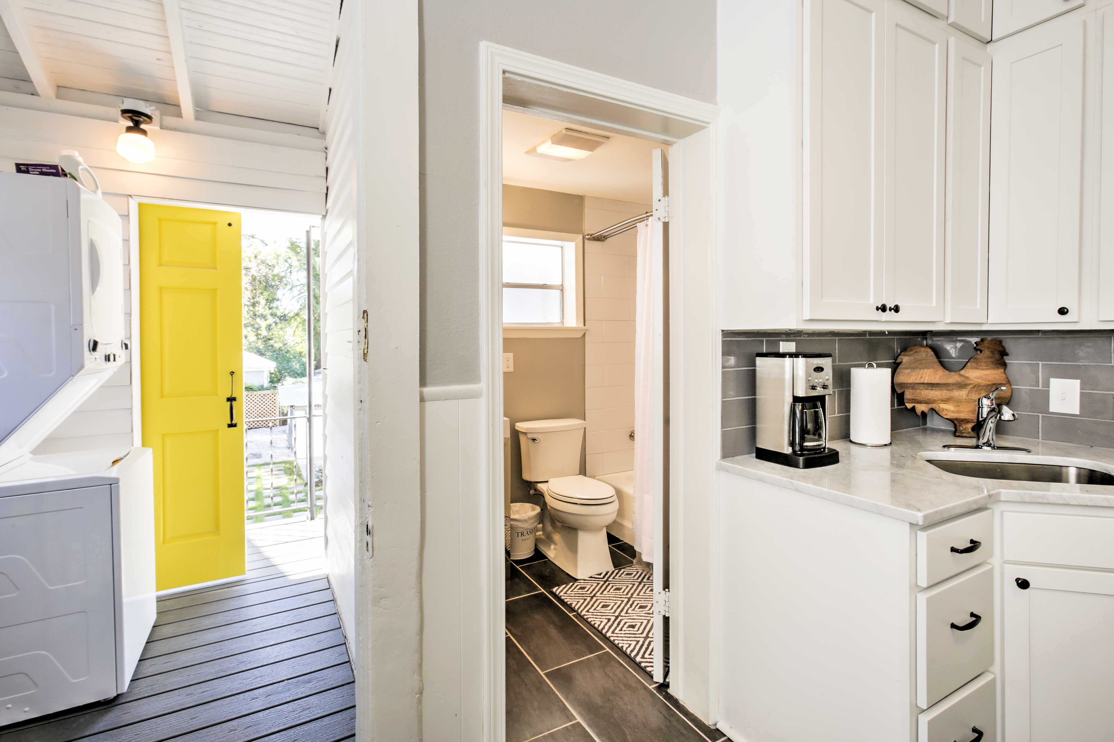 This apartment features 1 bathroom adjacent to the kitchen.