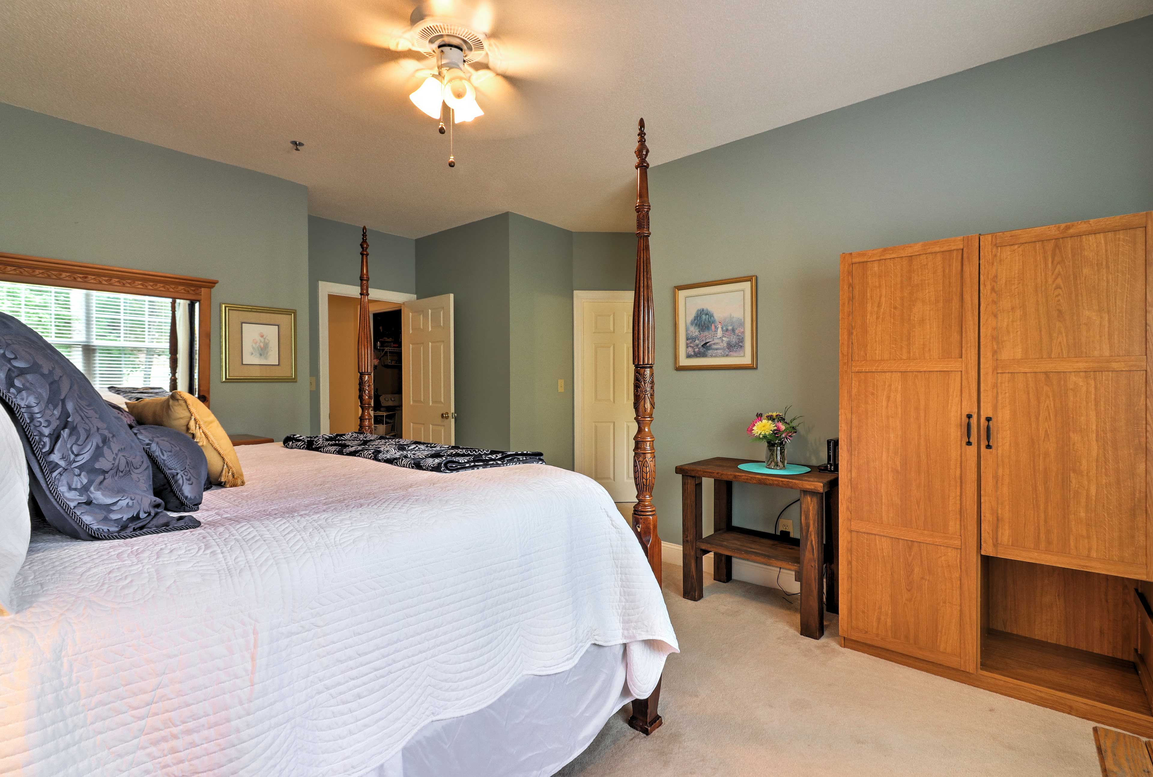 There's a full-sized rollaway bed for additional sleeping in the master bedroom.