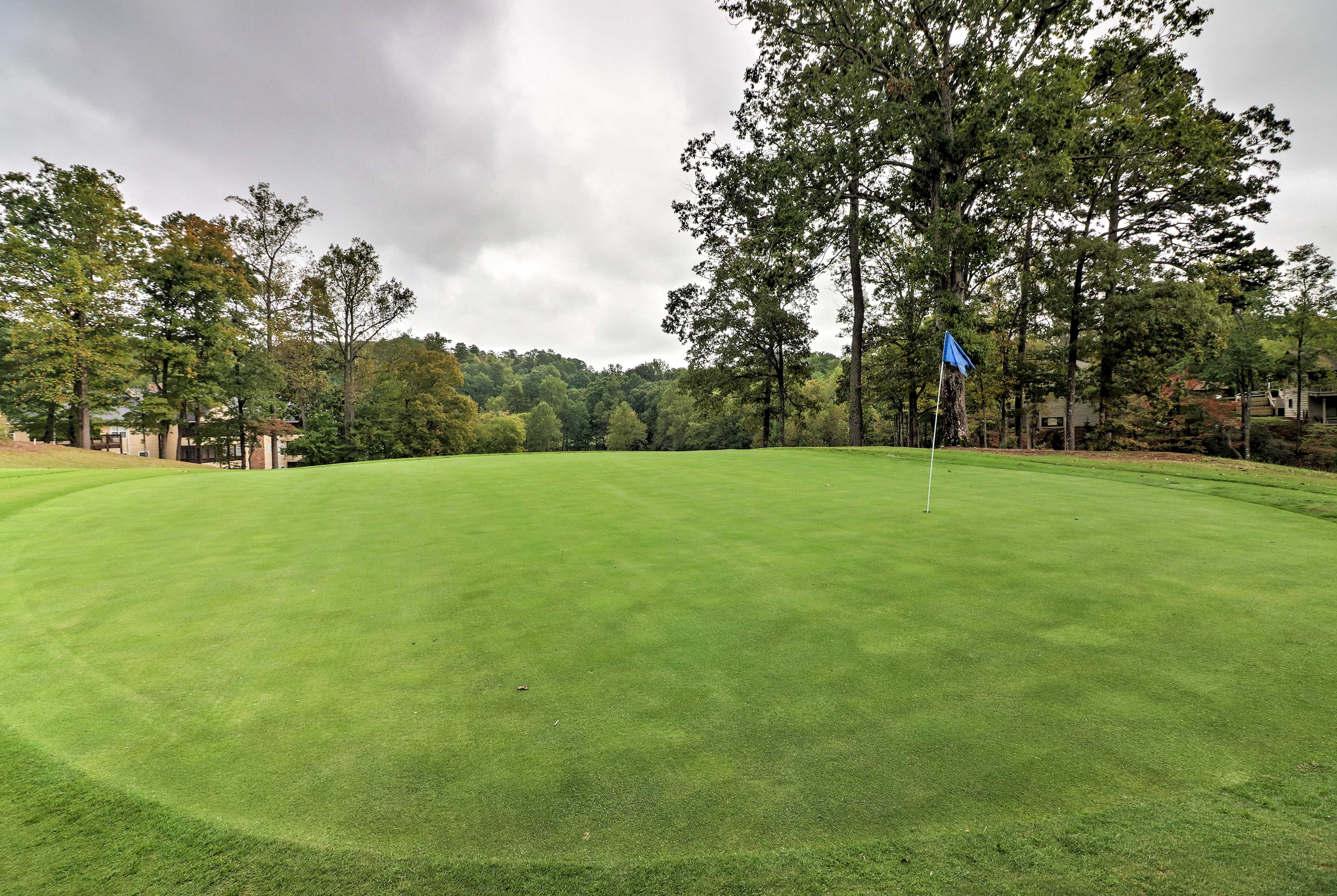 Make a tee time at Kingwood Golf Course for an memorable round.