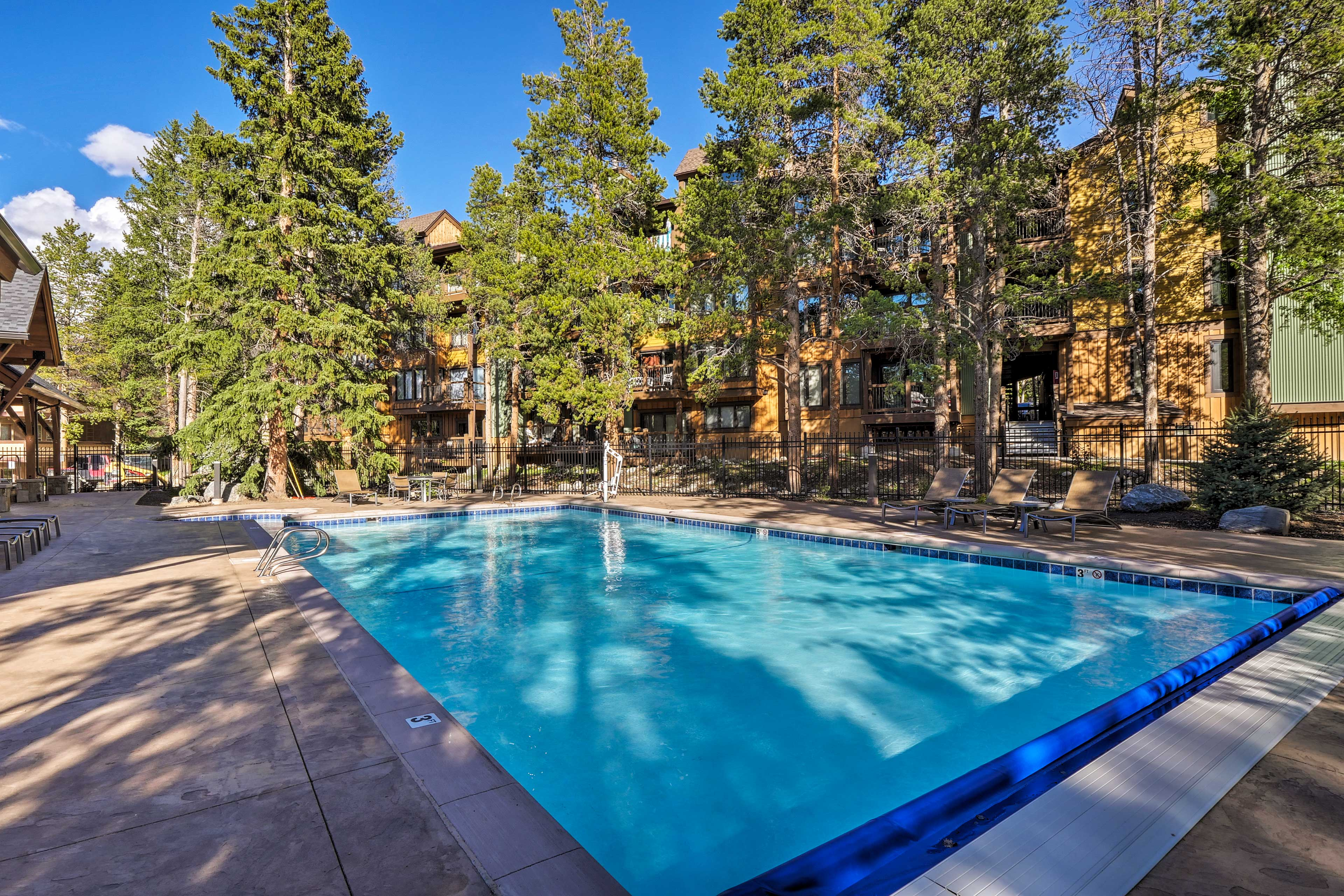 Enjoy access to a community pool, multiple hot tubs, and more!