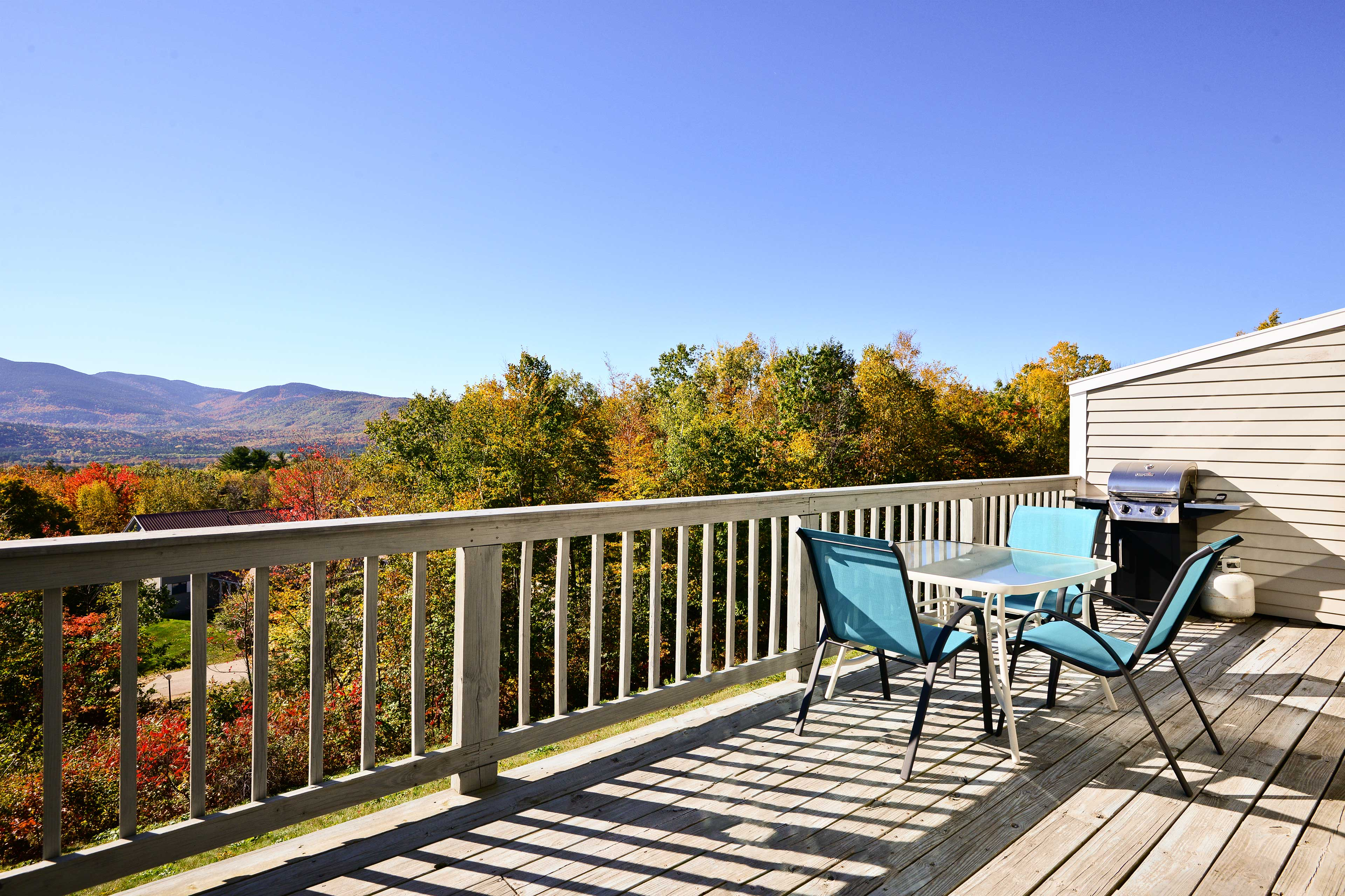 Explore Mount Washington Valley from this 3-bed Bartlett vacation rental condo!