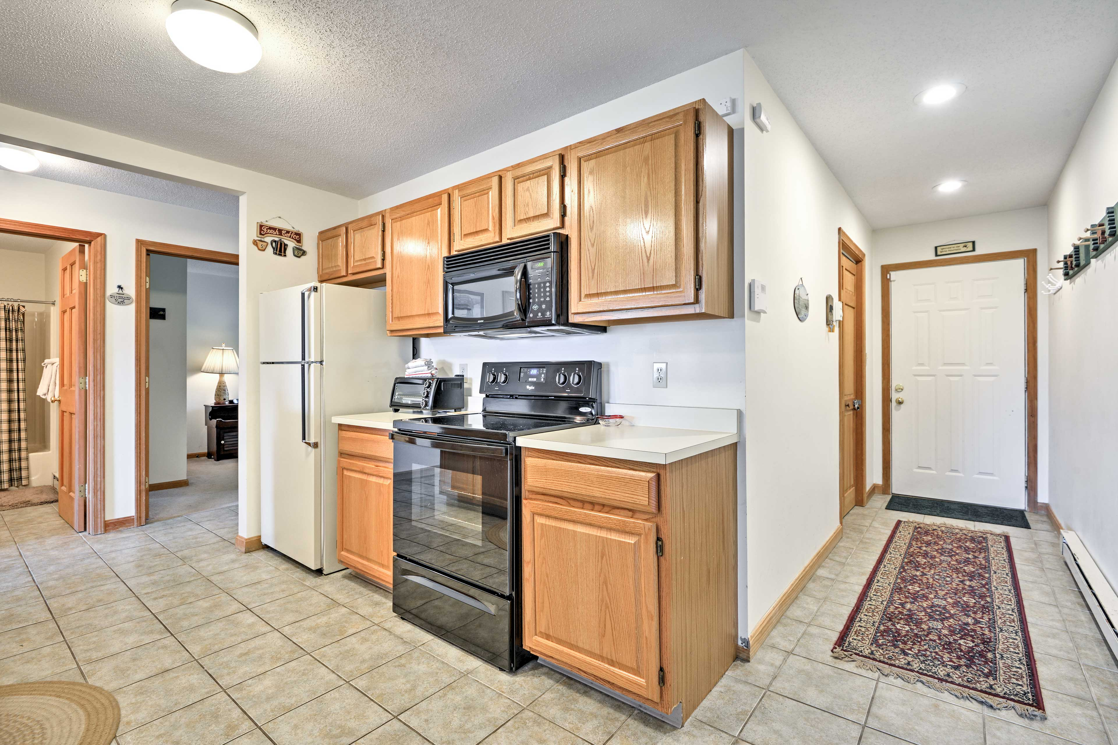 The kitchen has everything you could ask for!