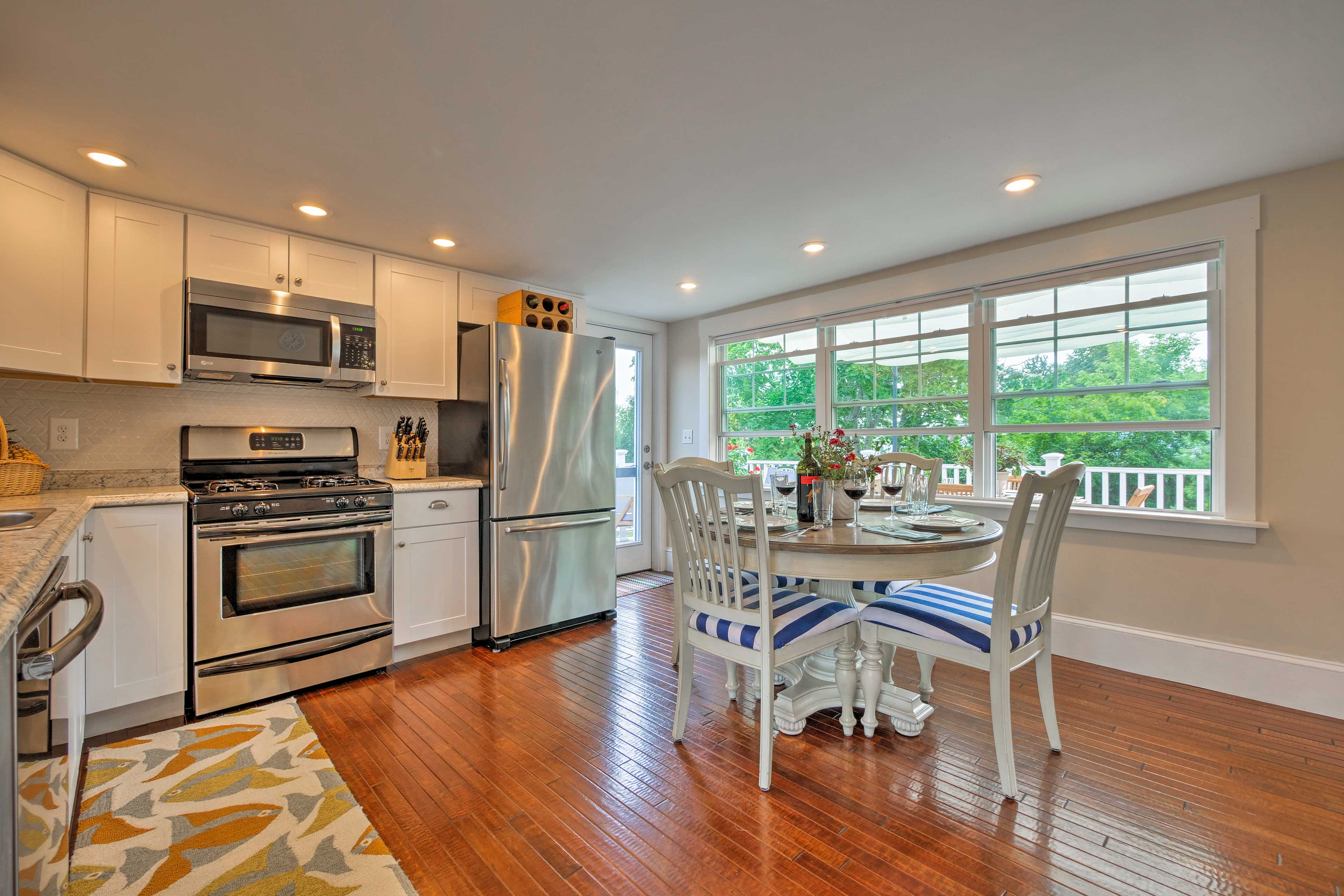 Head into the fully equipped kitchen and dining area.