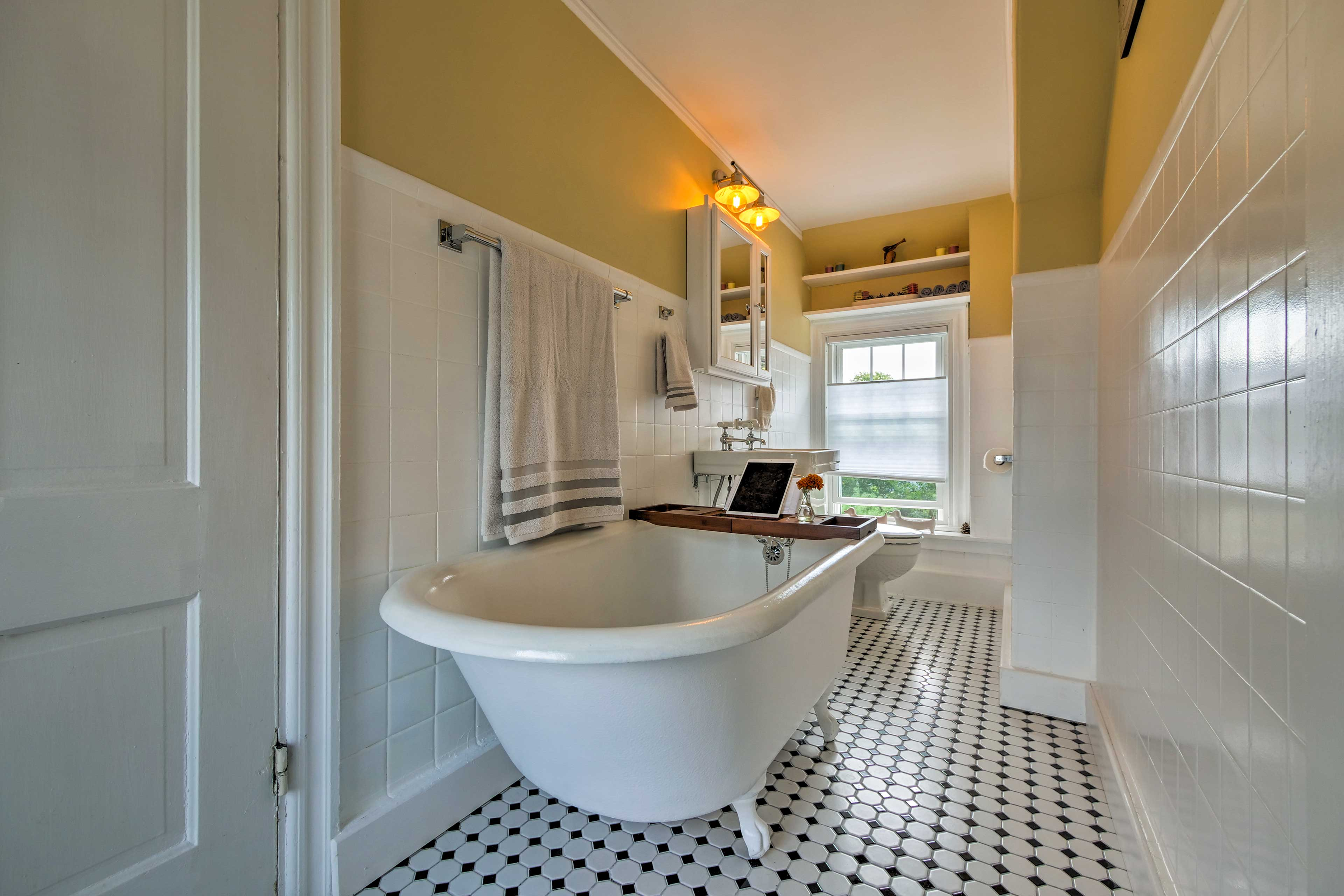 Go for a relaxing soak in this clawfoot tub.