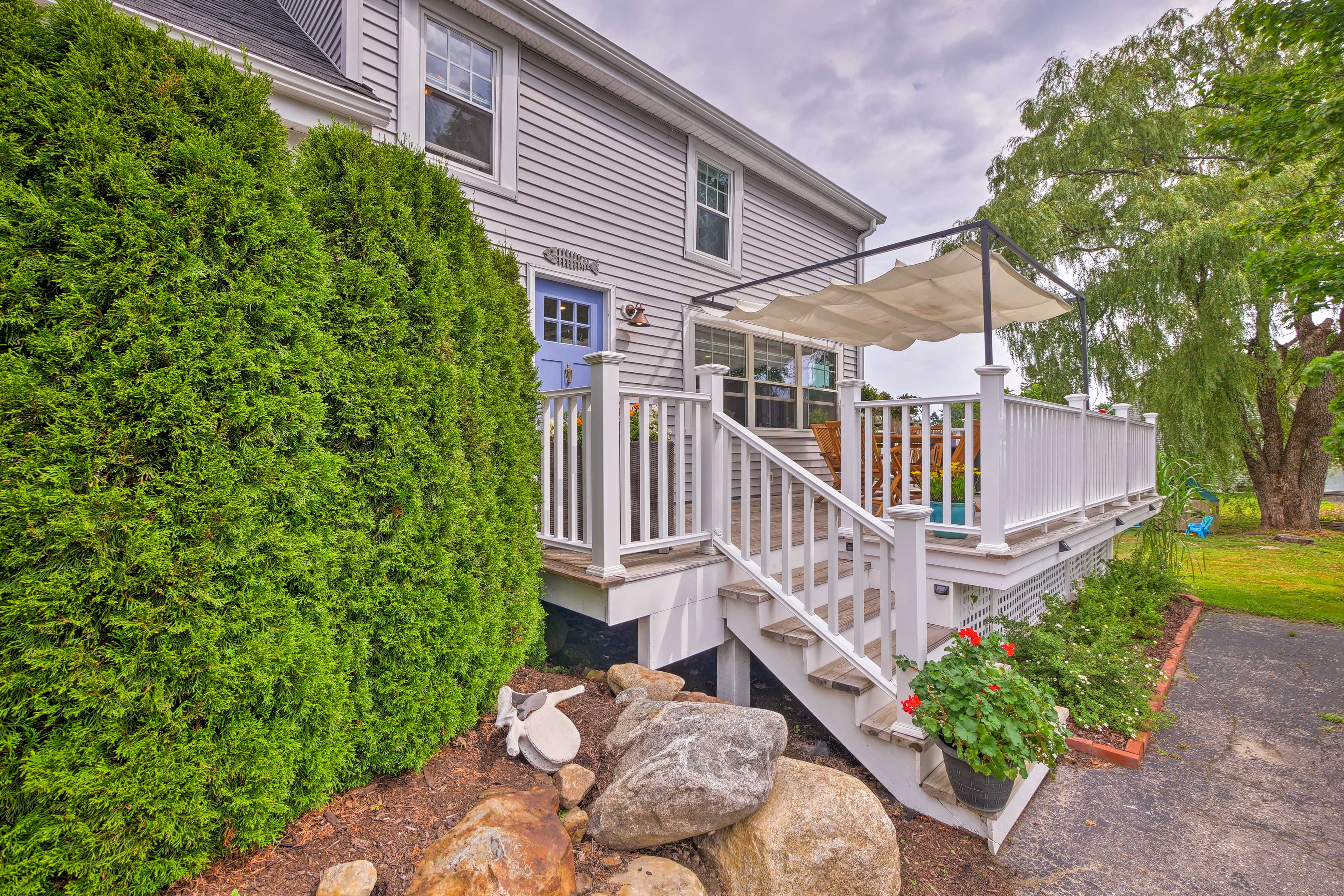 You'll love this home's proximity to shops, restaurants, and more!