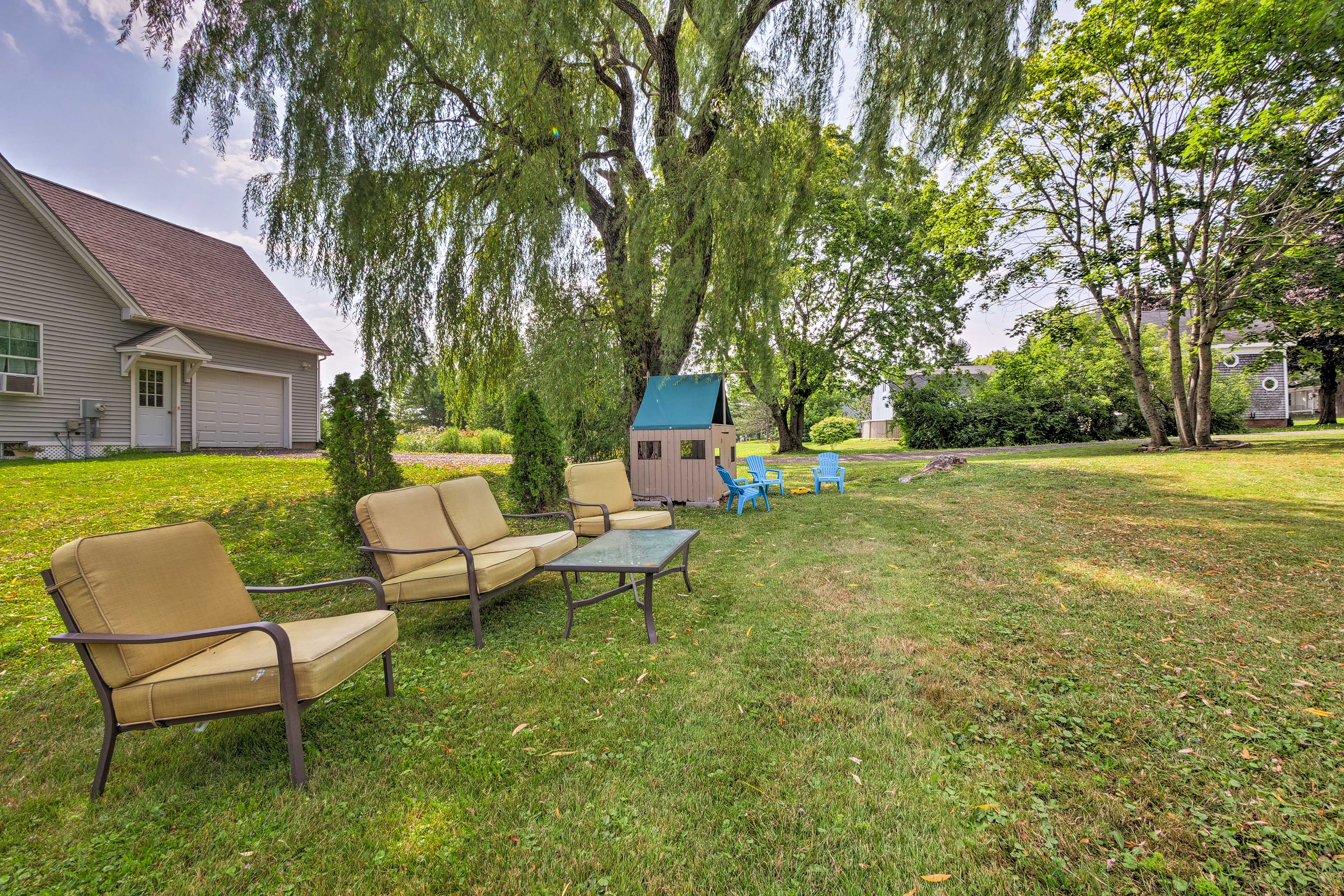 There's plenty of outdoor seating in the lawn.