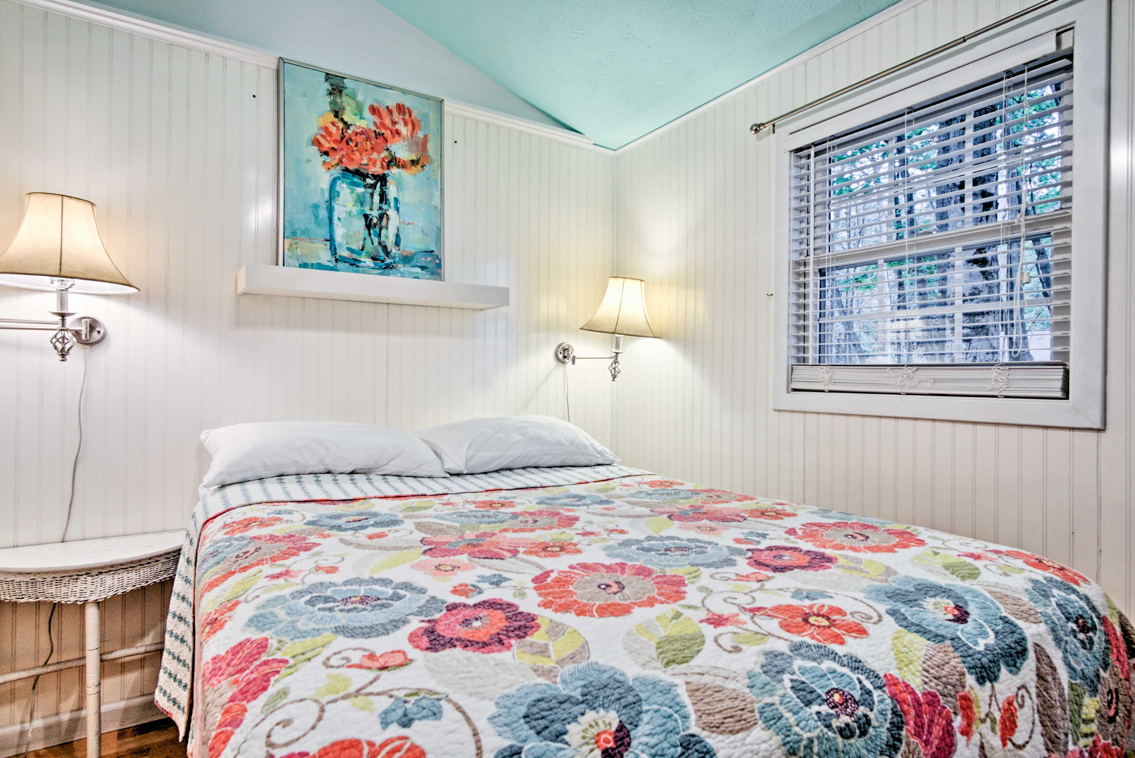 The property accommodates up to 5 guests. Linens are not provided.