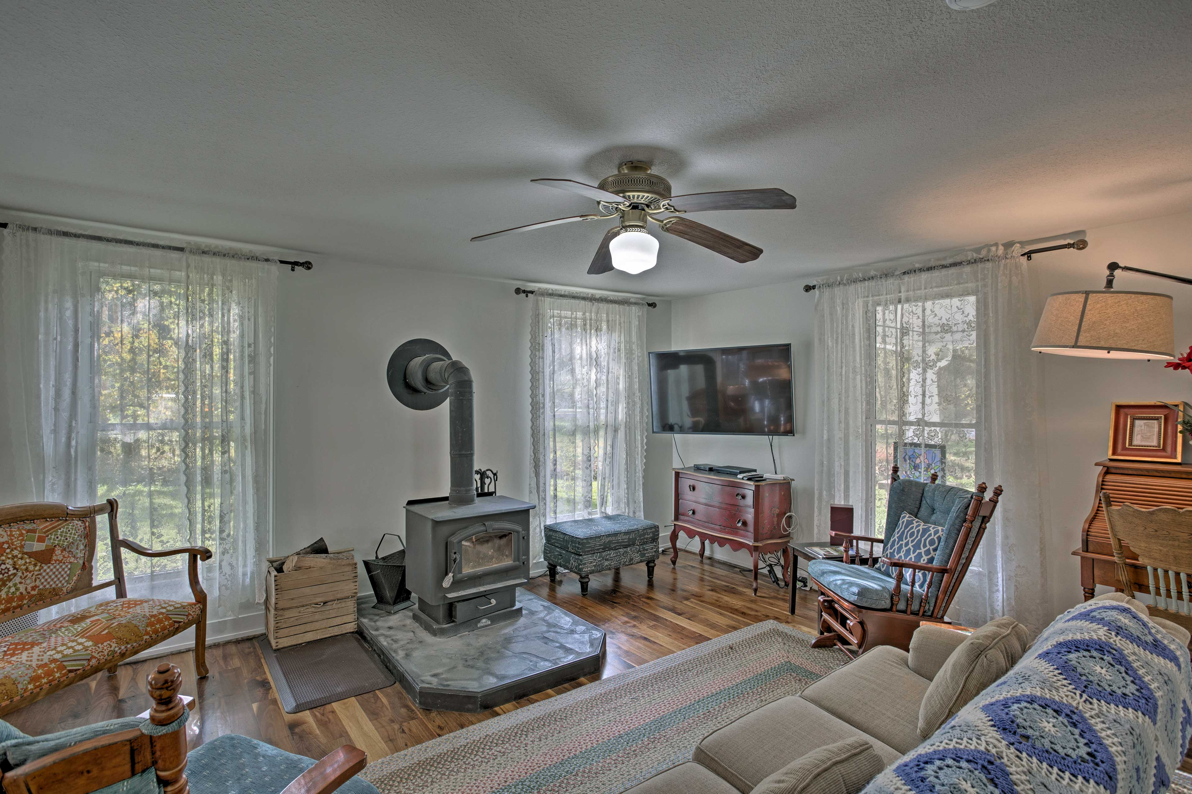 Up to 12 guests can make themselves at home in this cozy living room.