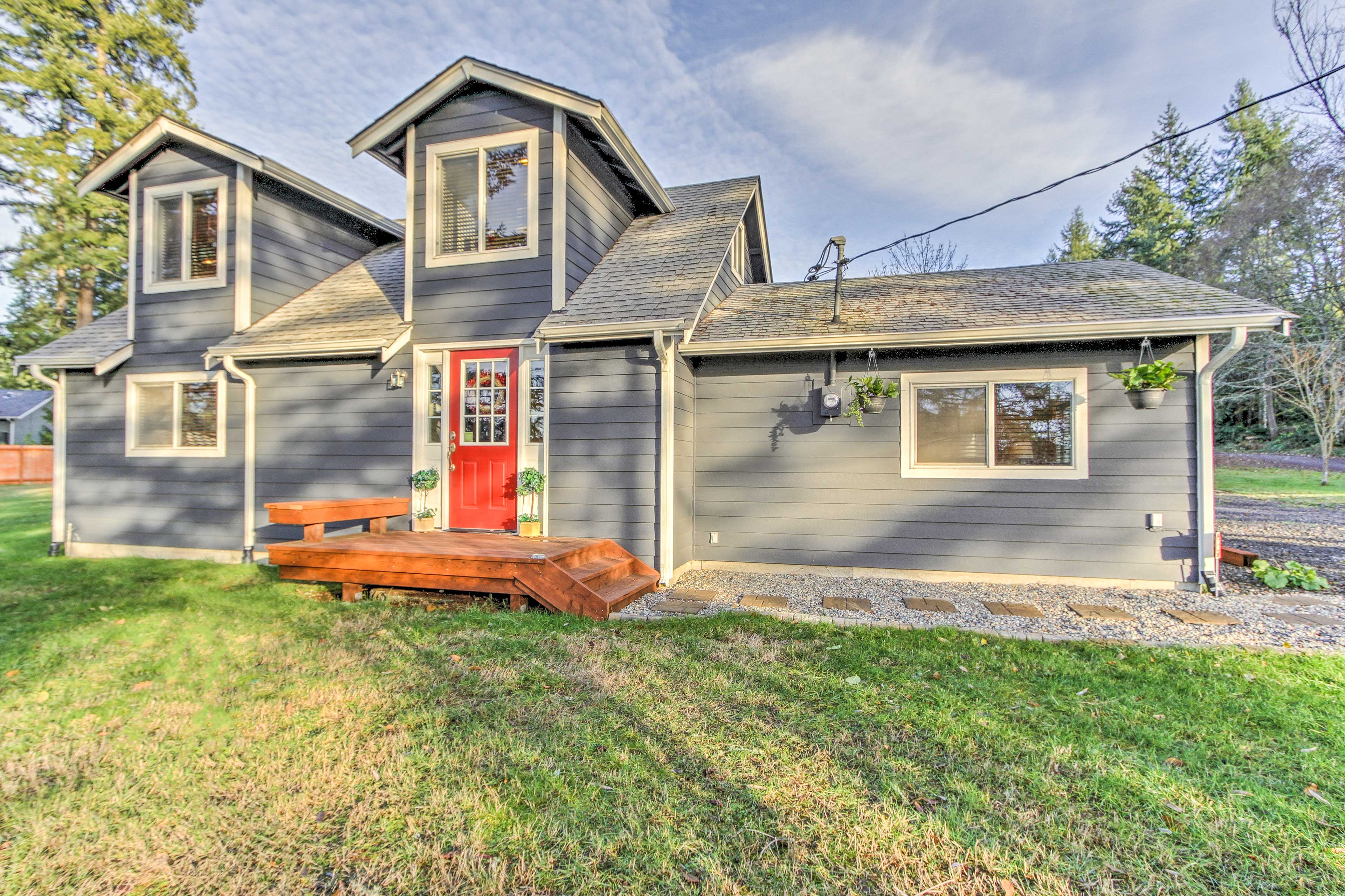 This home is located in a quiet neighborhood and is only 2 miles from downtown.